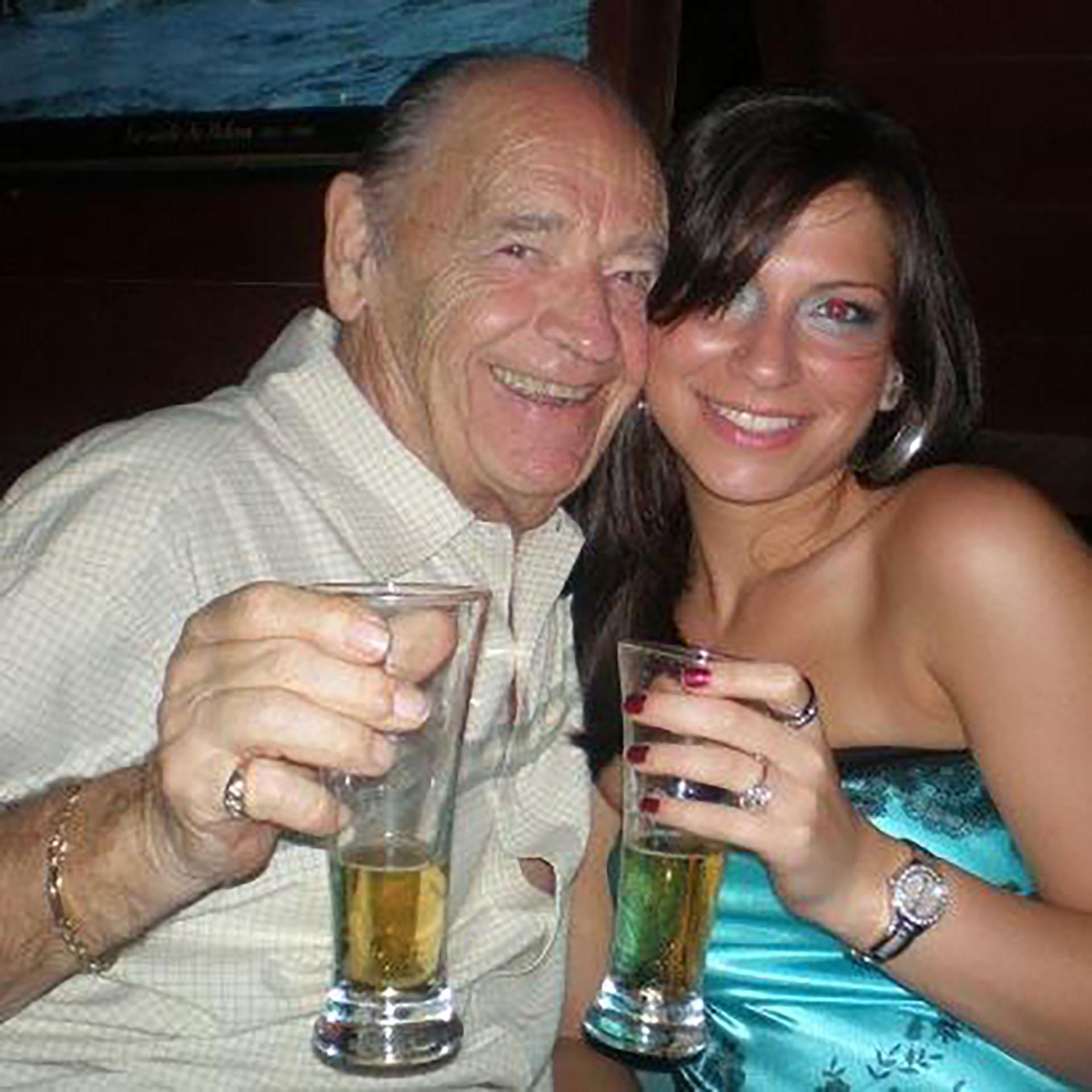 Según los testigos, Ducore bebió cuatro copas de vino durante el vuelo