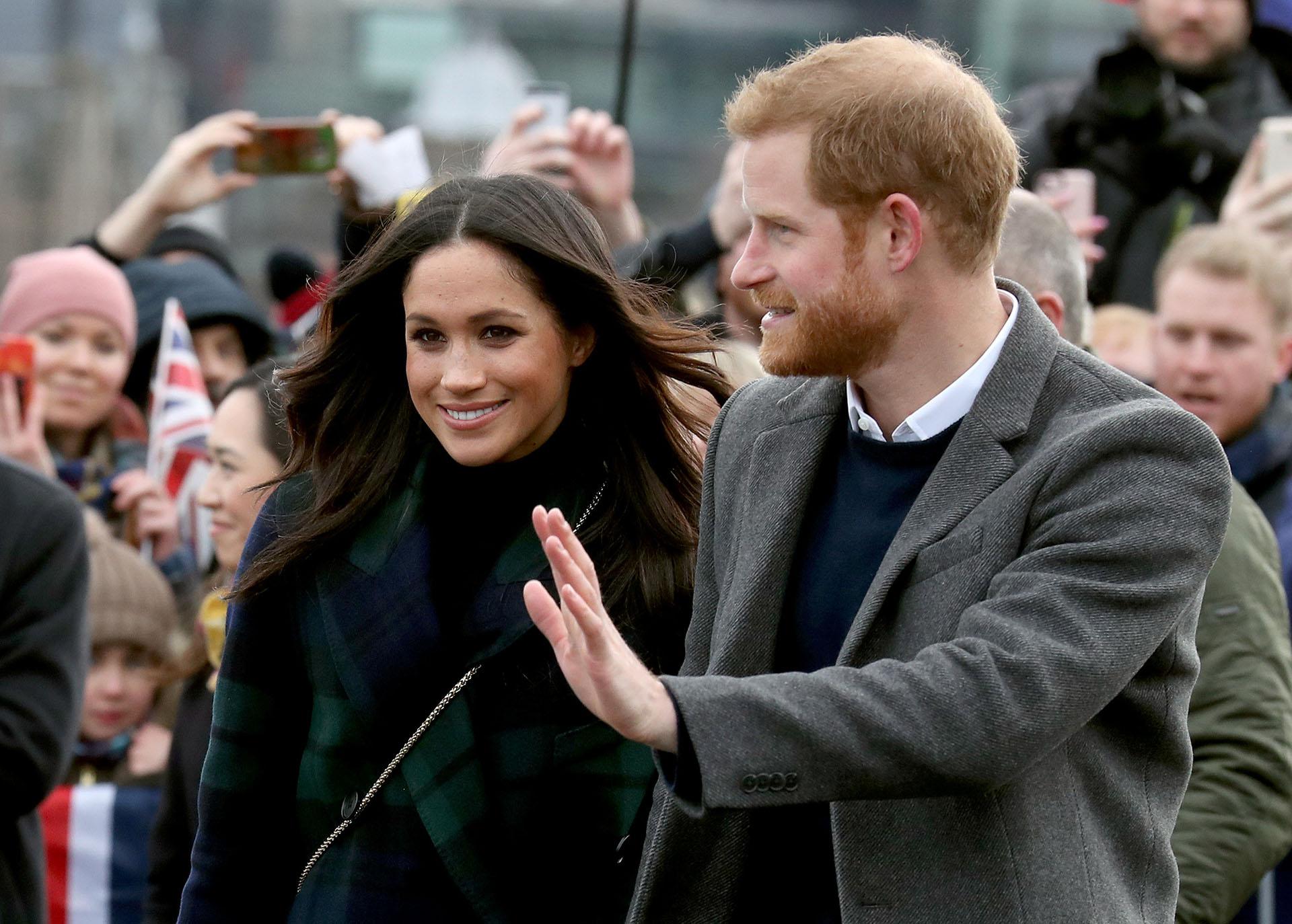 El príncipe Harry y Meghan Markle están agradecidos por todos los mensajes y buenos augurios que han recibido del público en general, dijo un vocero del Palacio de Kensington (REUTERS/Andrew Milligan/Pool)