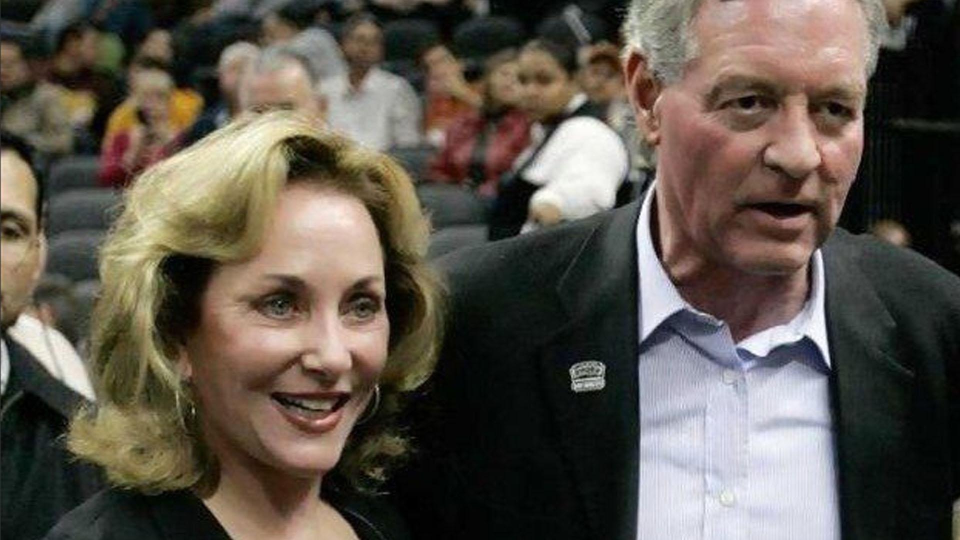 Julianna y Peter, acompañando a los Spurs, en tiempos felices