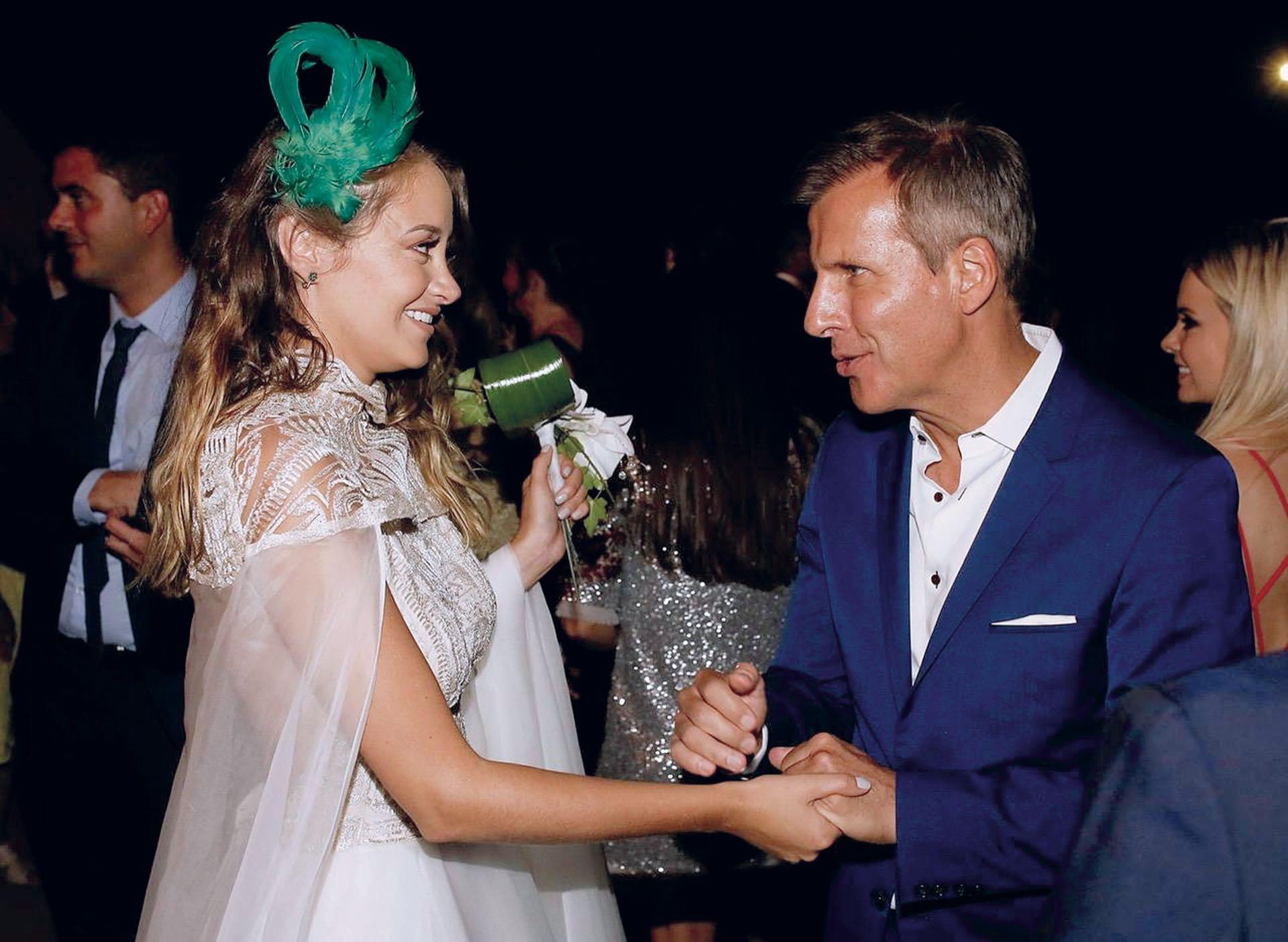 La novia, Melina Gadano, con Martín Redrado, que asistió solo. (Foto Marcelo Espinosa/GENTE)