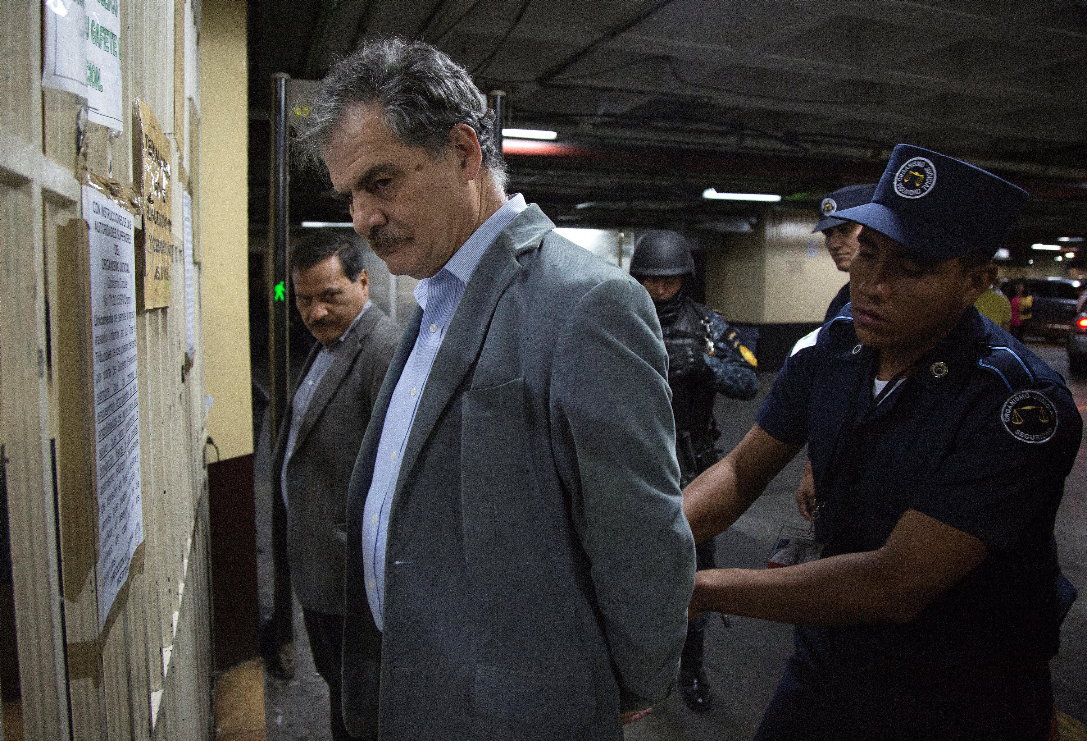 Juan Alberto Fuentes detenido por las autoridades de Guatemala. (REUTERS)