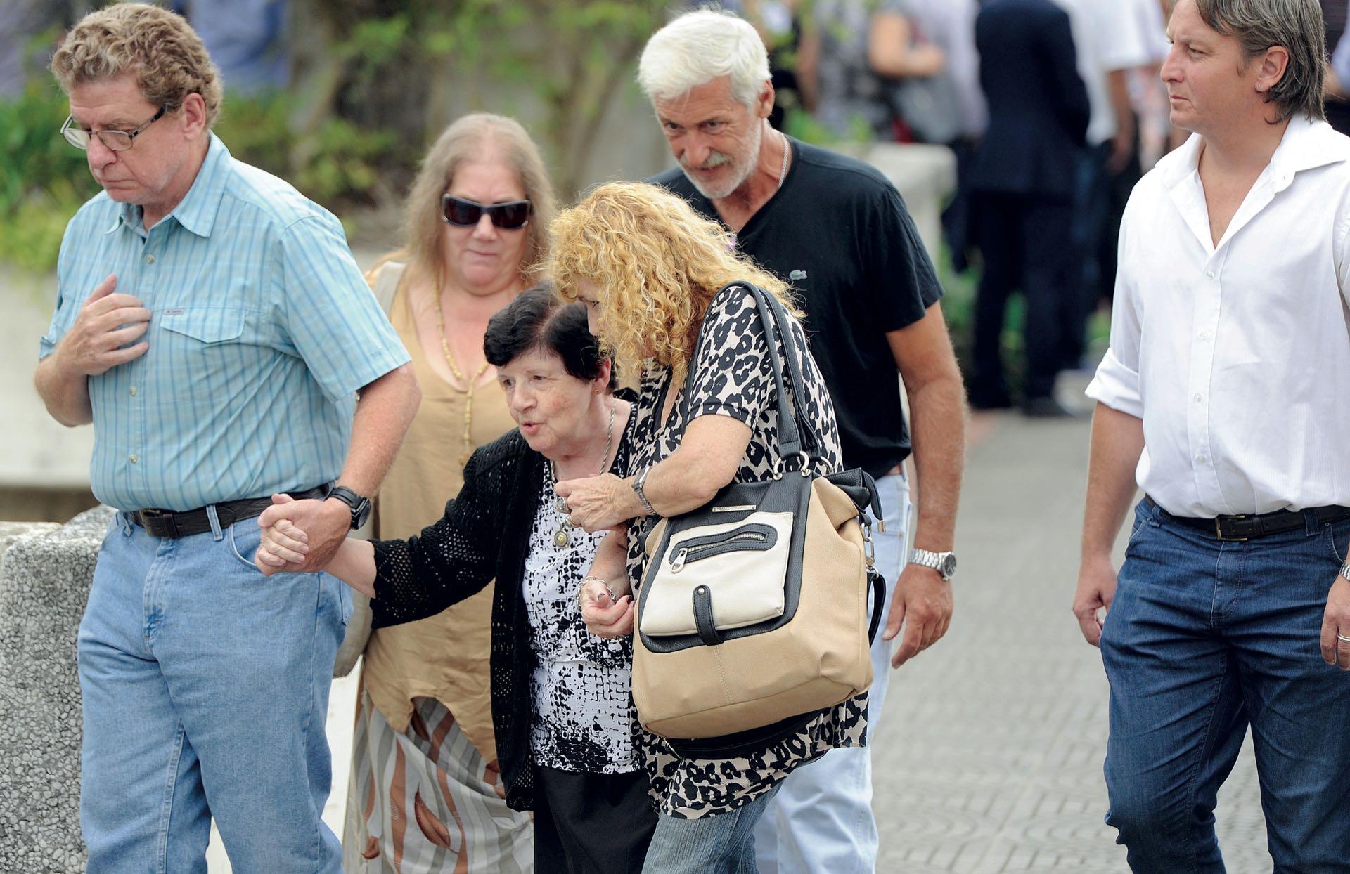 Yoli, la madre de Quique, también desconsolada (Fotos: Enrique García Medina y Maxi Vernazza/GENTE)