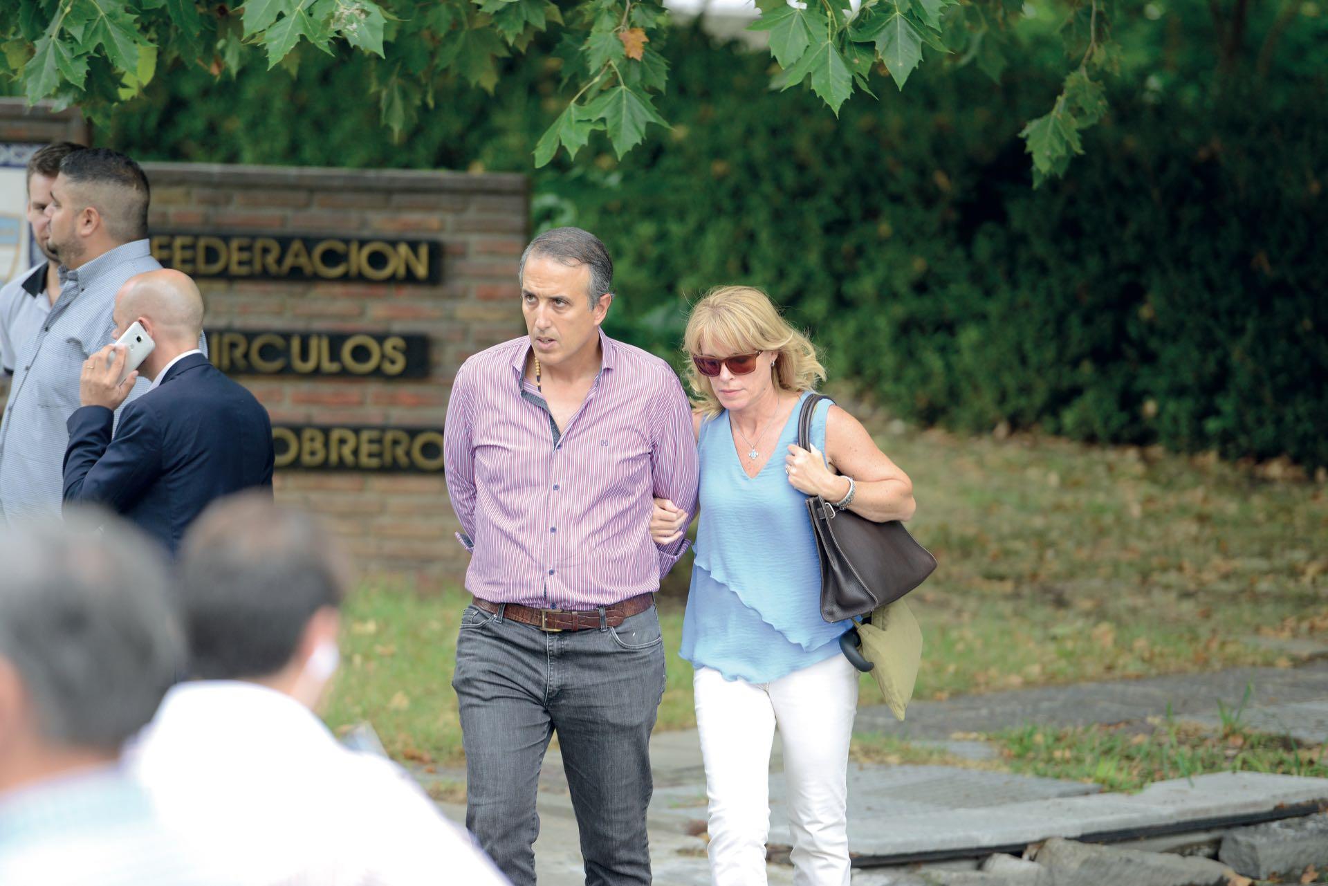 Gustavo Tubio y su mujer, también presentes (Fotos: Enrique García Medina y Maxi Vernazza/GENTE)