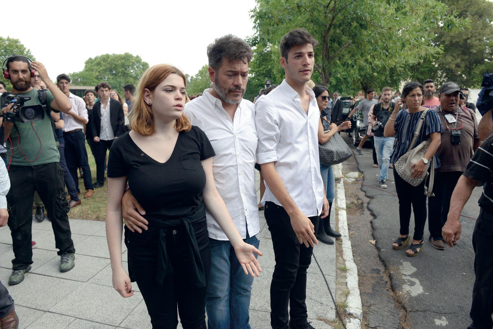 Marcelo Funes junto a Luna y Agustín, los hijos que tuvo con Débora (Fotos: Enrique García Medina y Maxi Vernazza/GENTE)