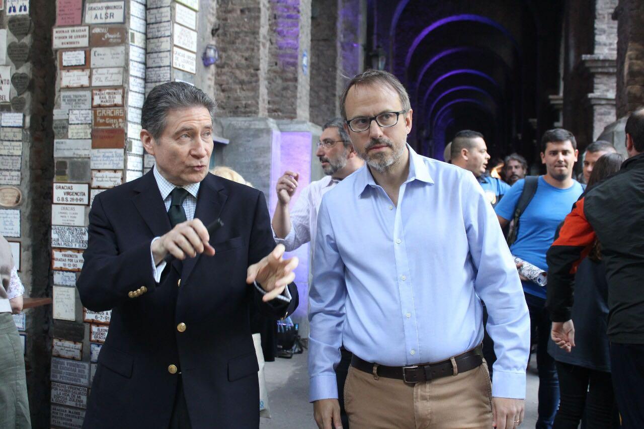 Diego Valenzuela con el embajador de Francia