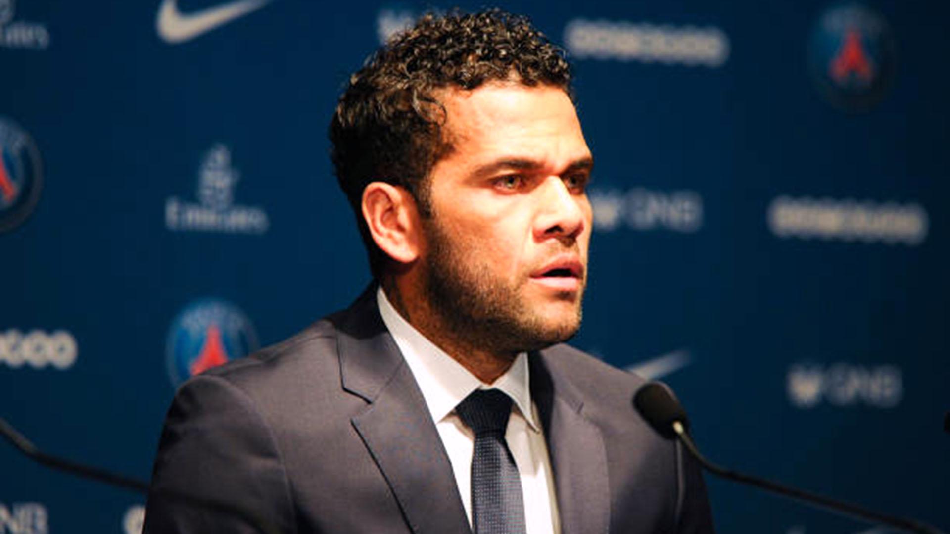 (AFP) Dani Alves culpó a la intermitencia del equipo como el factor de la derrota