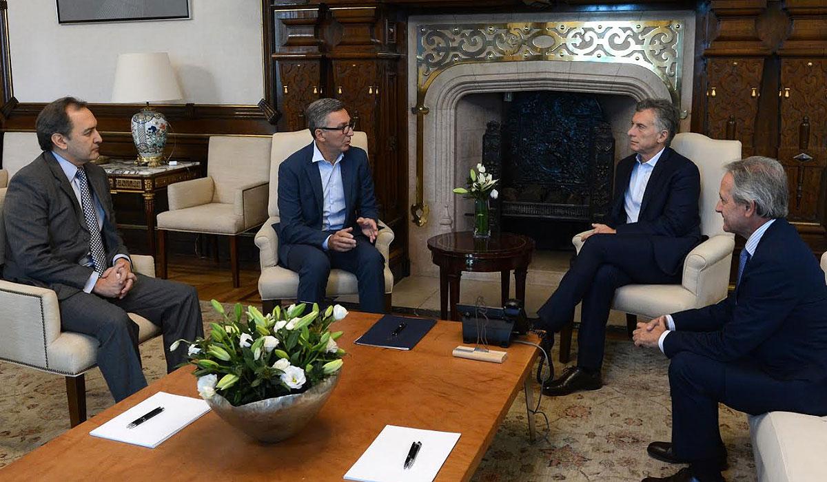 El presidente Macri recibió a directivos de Telecom.
