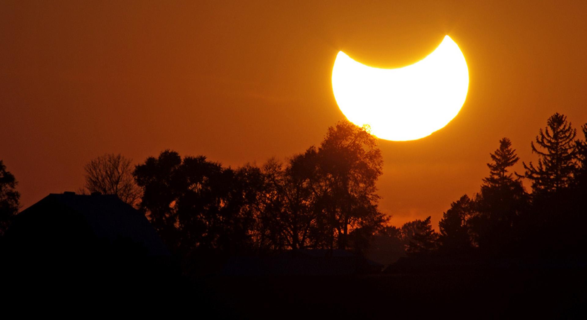 Así se verá el eclipse en la Patagonia, tal como se apreció en 2015 en México