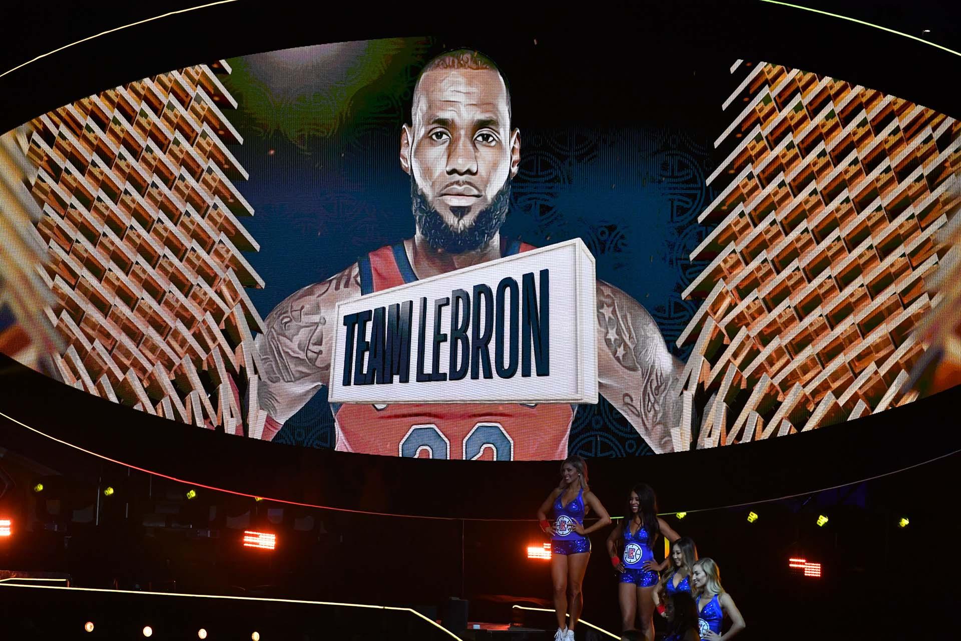 LeBron James, capitán de su equipo