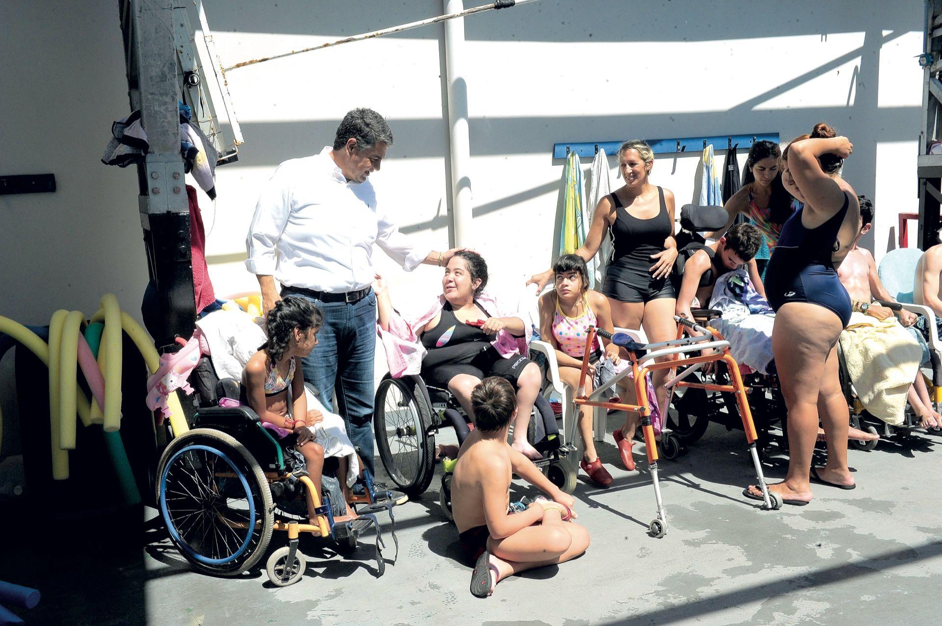 Unos 2.200 niños y adolescentesacuden durantejunto a un grupode discapacitados,tambiénbeneficiarios delos centros que el Municipio ofrece en forma gratuita a los vecino. (Foto: Julio Romero/ Prensa Vicente López)