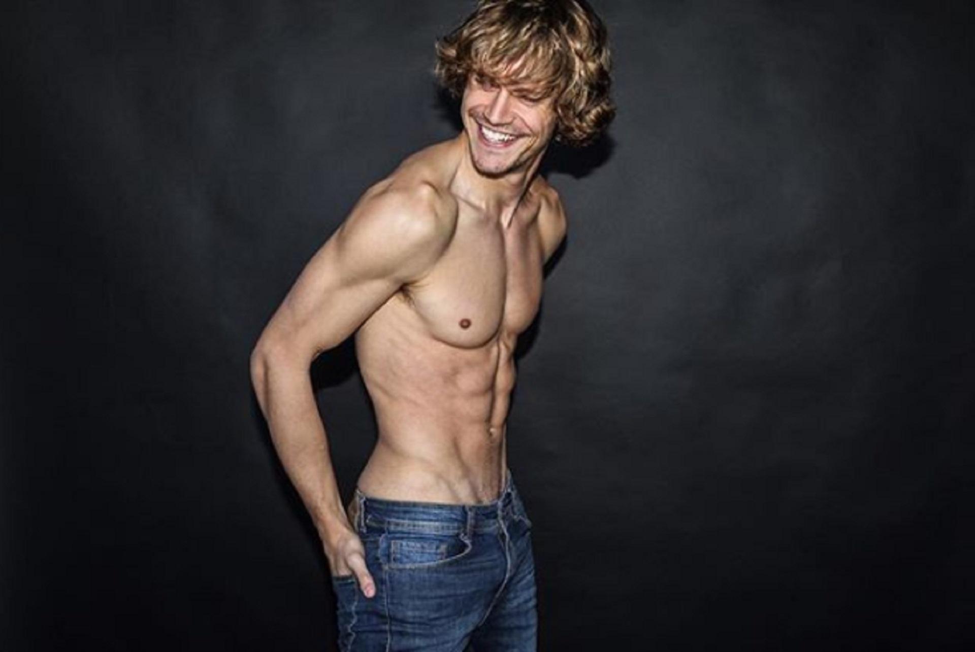 Leo tiene 29 años, es de Alvear (provincia de Santa Fe) y estudió periodismo en Rosario