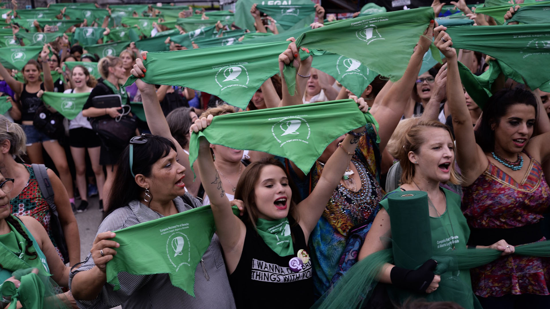 Masiva movilización que se realizó frente al Congreso a favor de la despenalización del aborto (Julieta Ferrario)