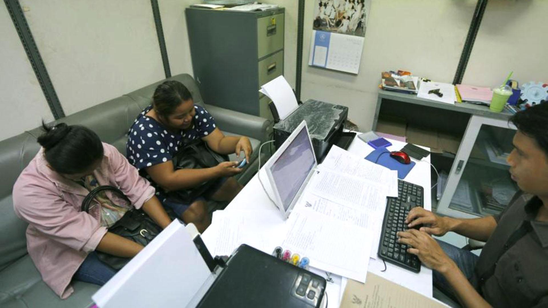Dos madres de alquiler tailandesas son interrogadas por la policía (EFE)