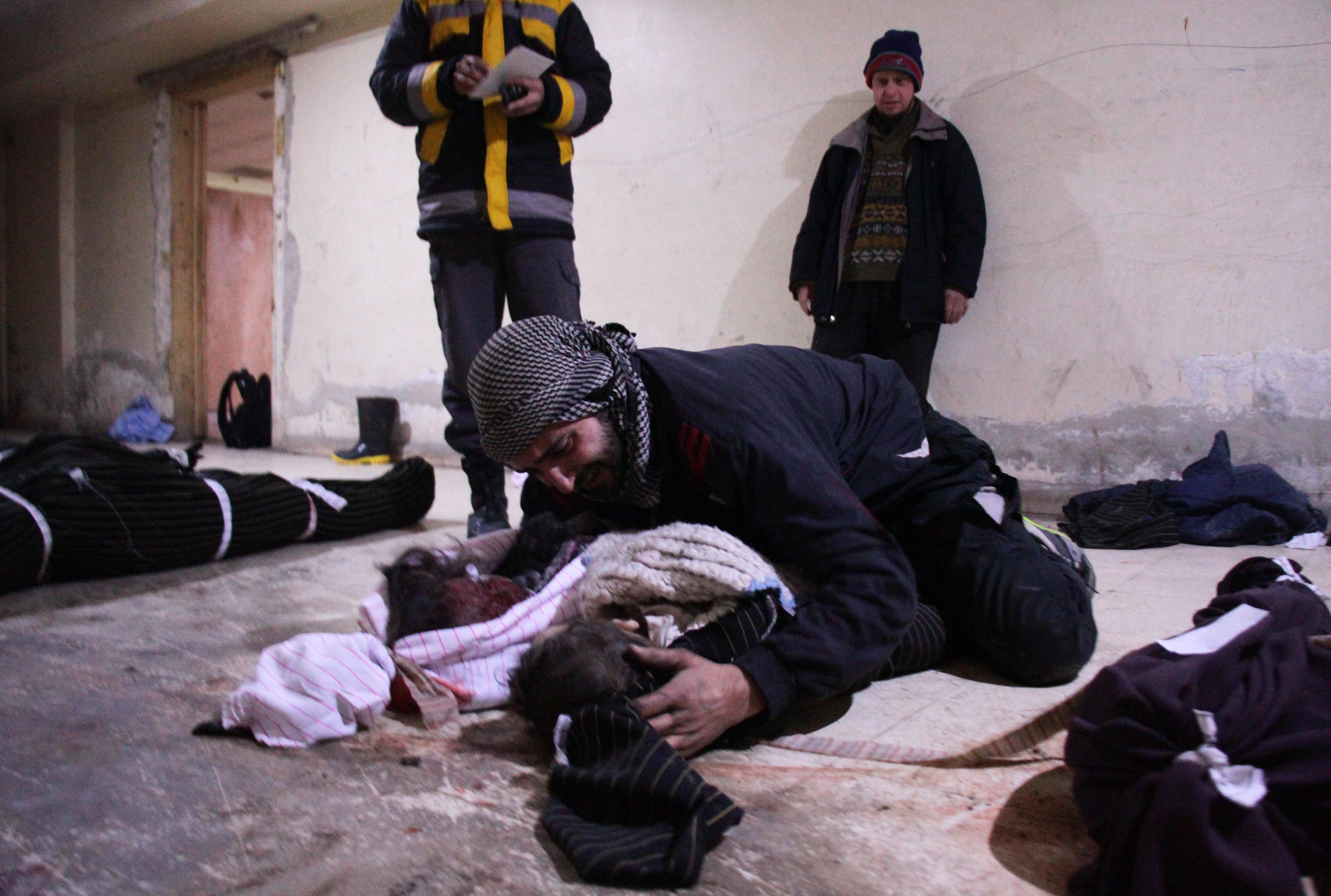 Entre los muertos hay también 12 niños (AFP)