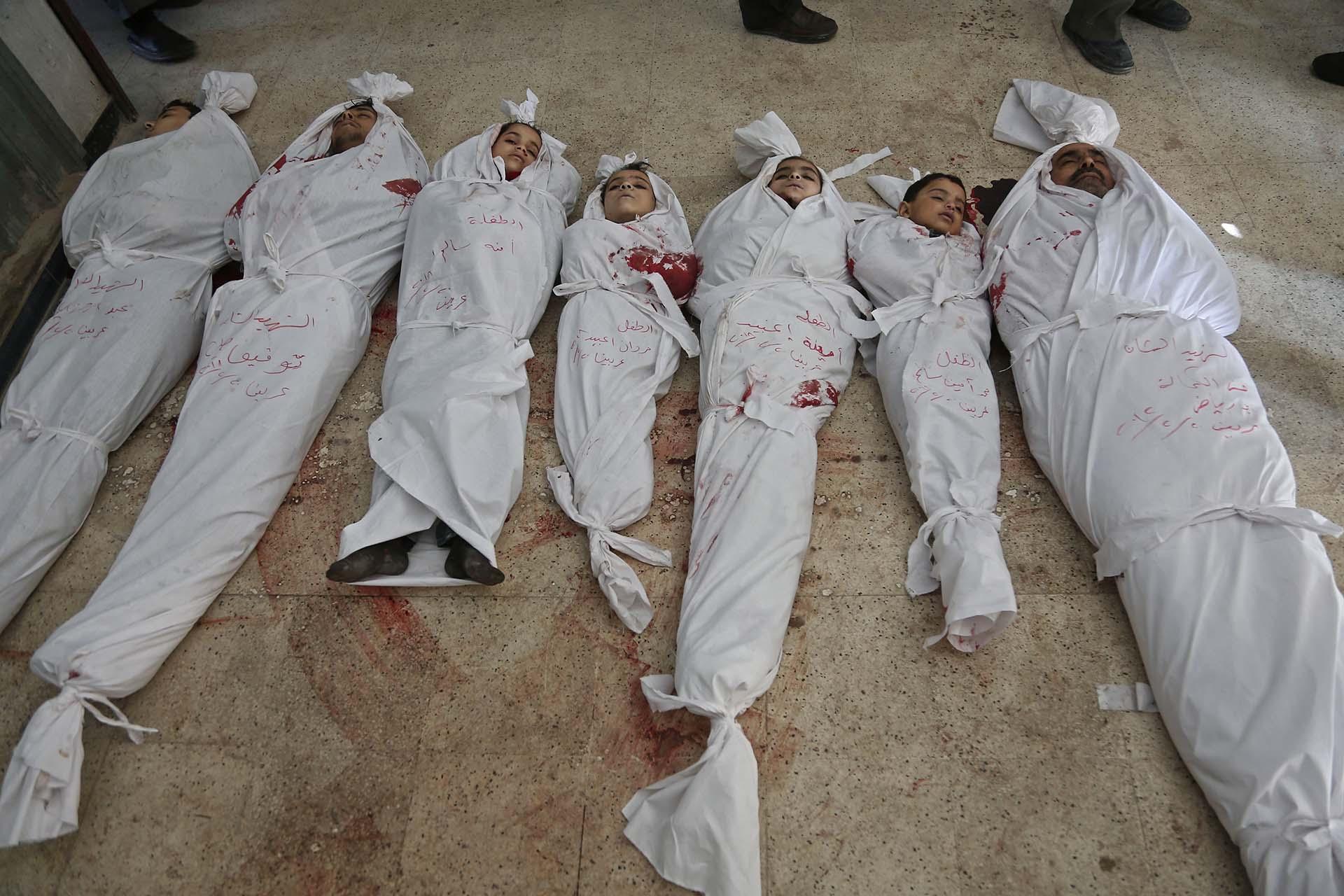Imágenes de los cadáveres de los niños asesinados por los bombardeos ...