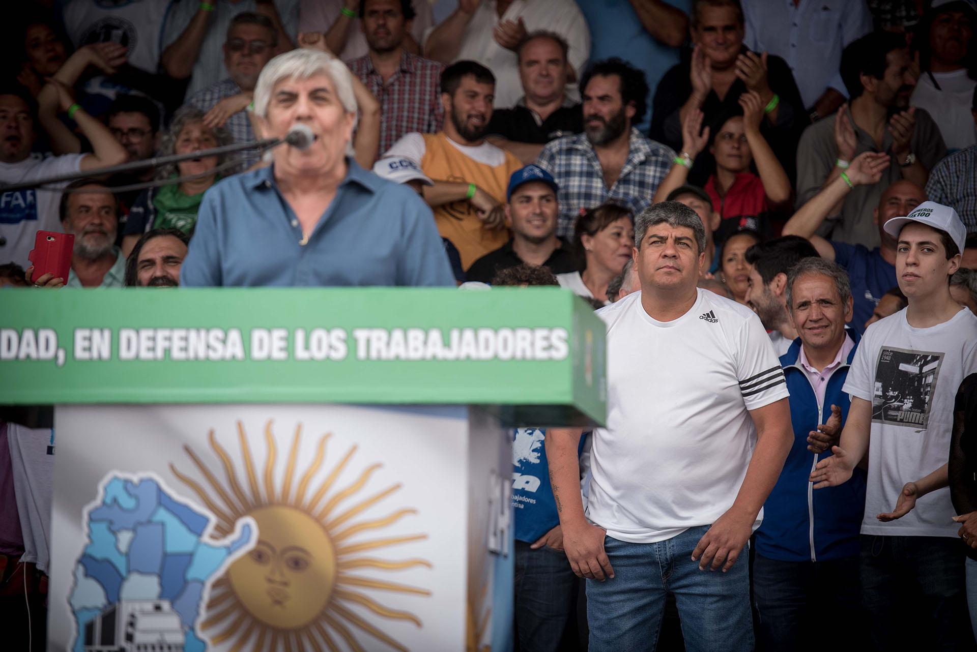 Hugo y Pablo Moyano, en la marcha de la semana pasada (Guille Llamos)