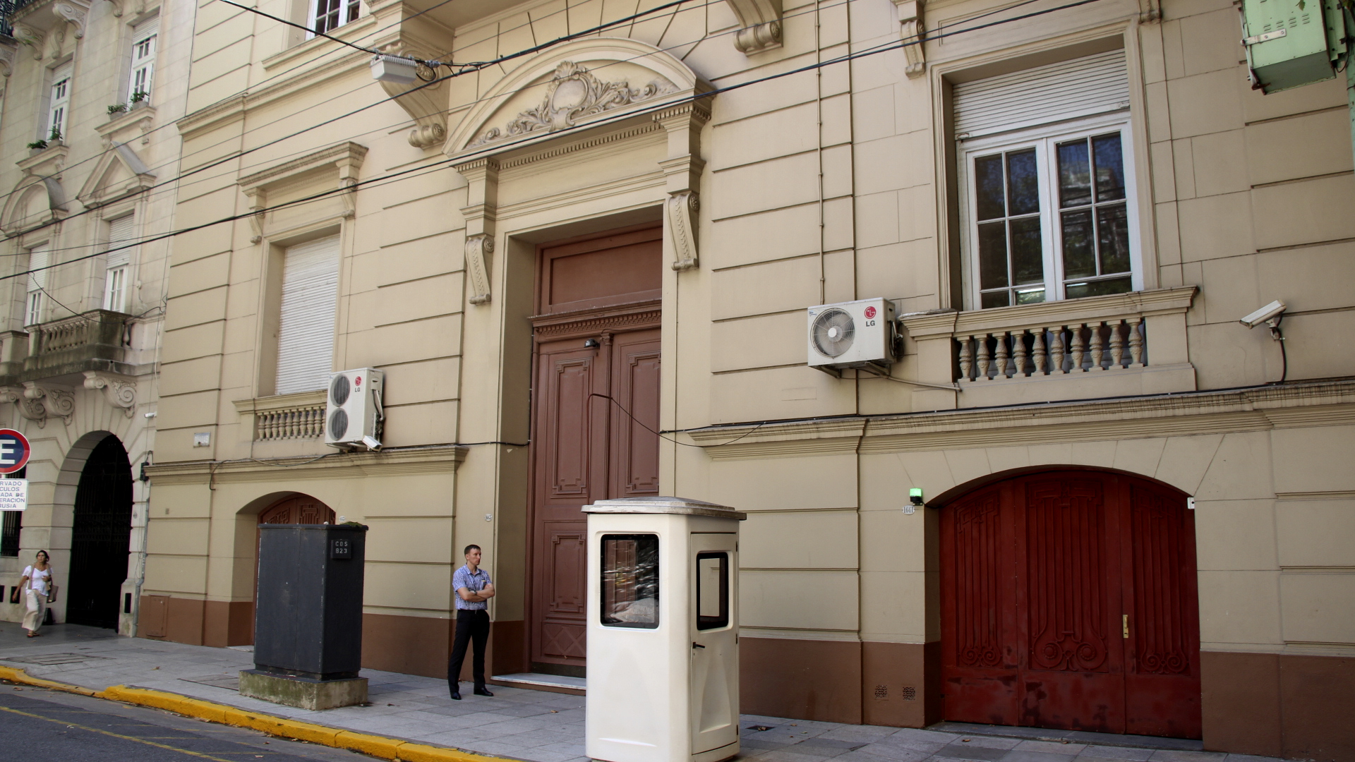 Fachada de la Embajada de Rusia