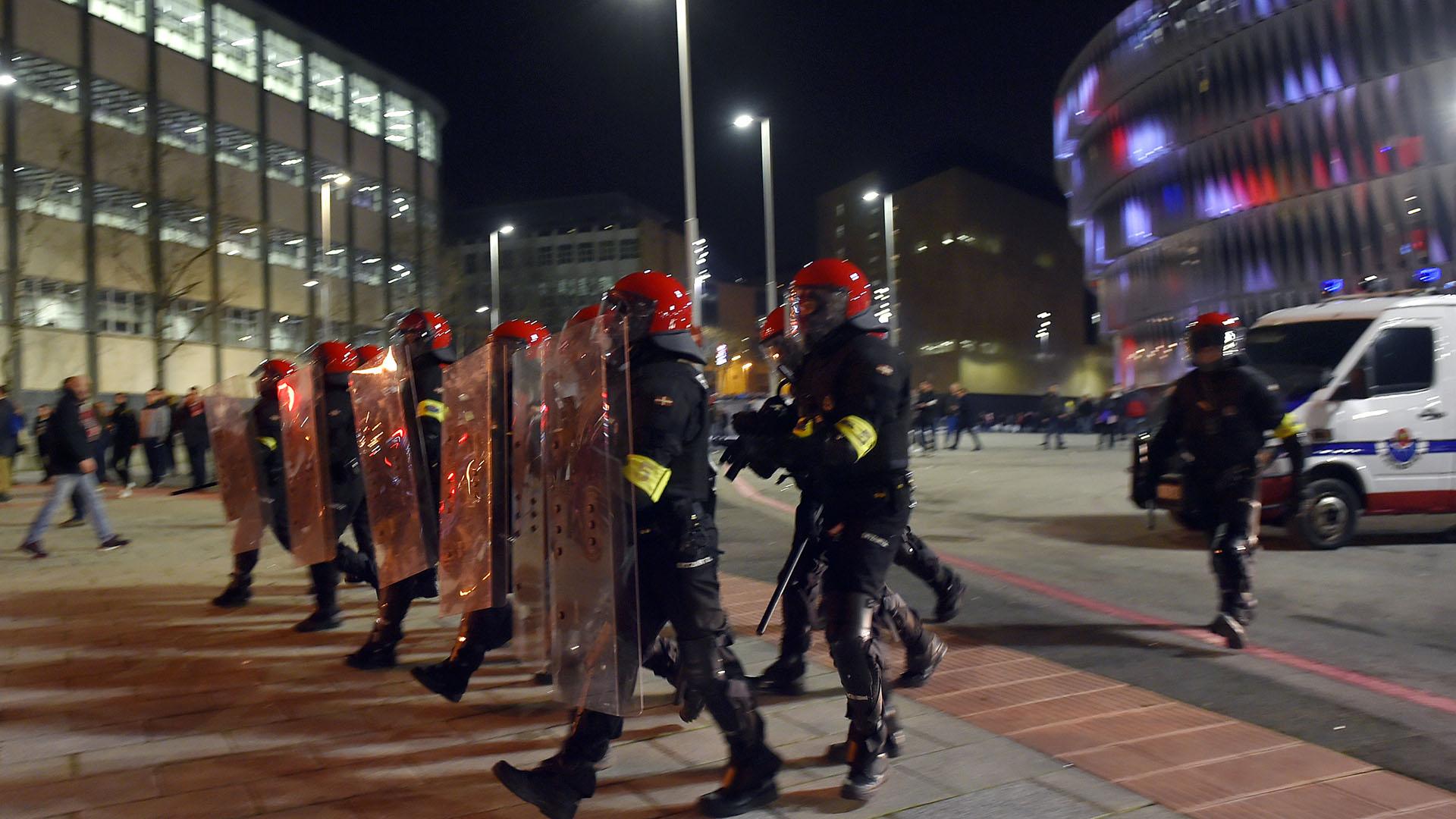 El operativo contó con 500 ertzainas, 100 policías municipales y 200 agentes de seguridad