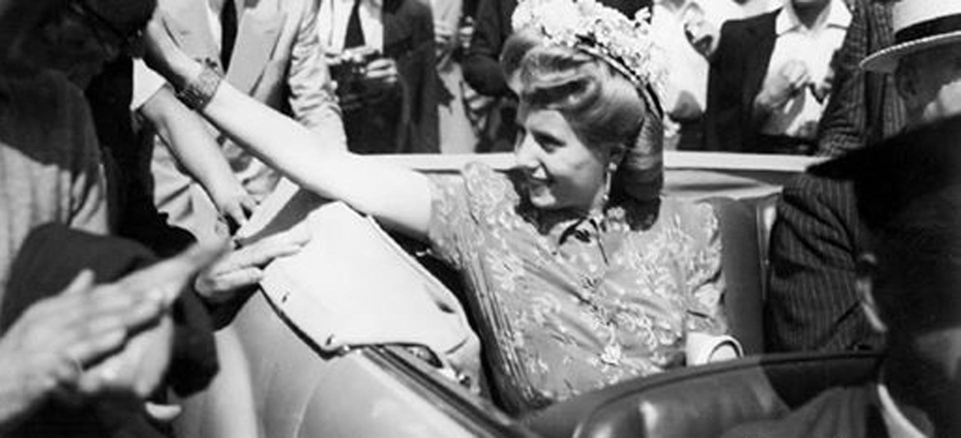 La muestra fotográfica hace alusión a uno de los viajes de Eva por Europa en 1947