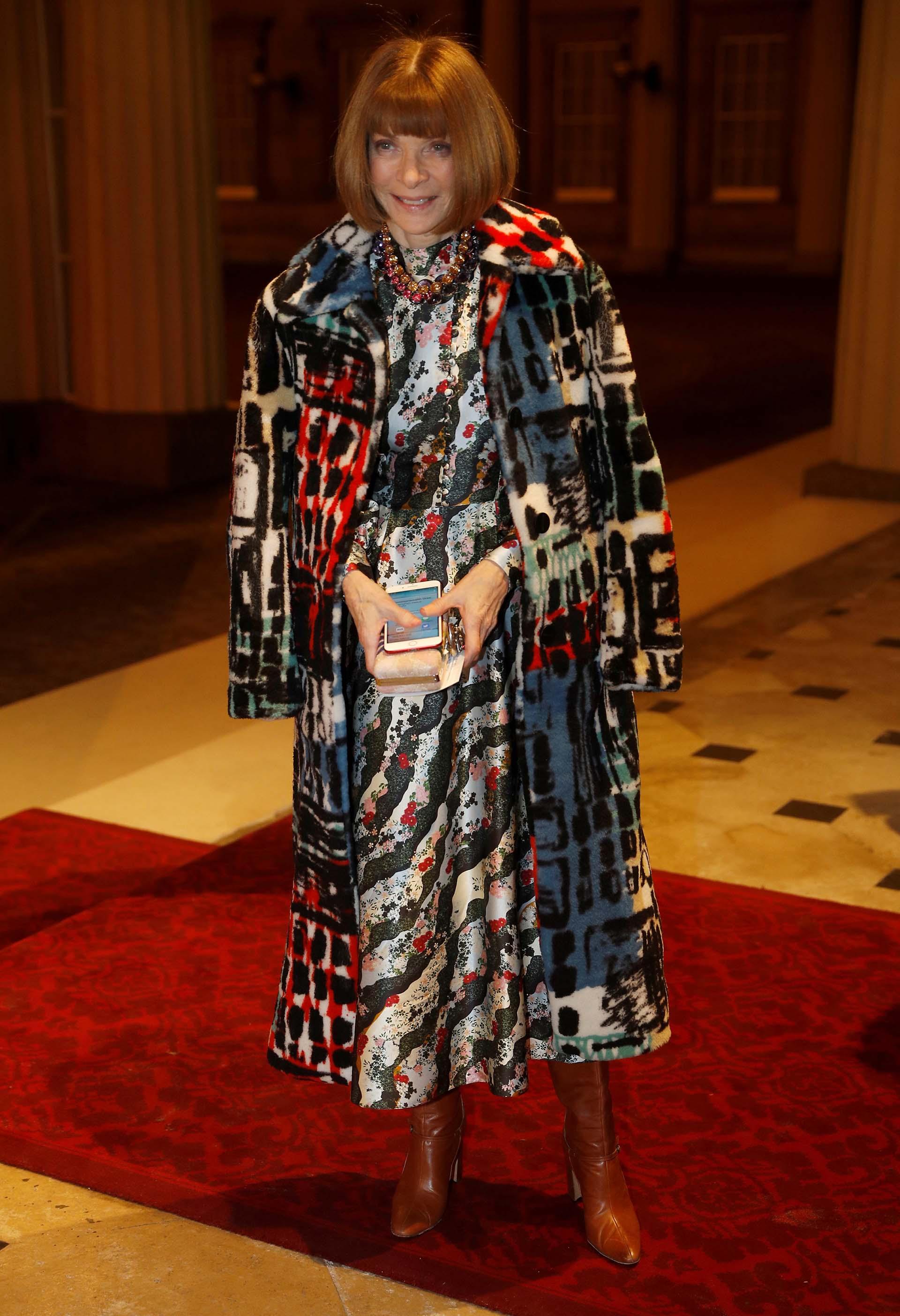 Comprometida con elevar la moda a la categoría de arte apoya los eventos fashionista de los diseñadores del mundo