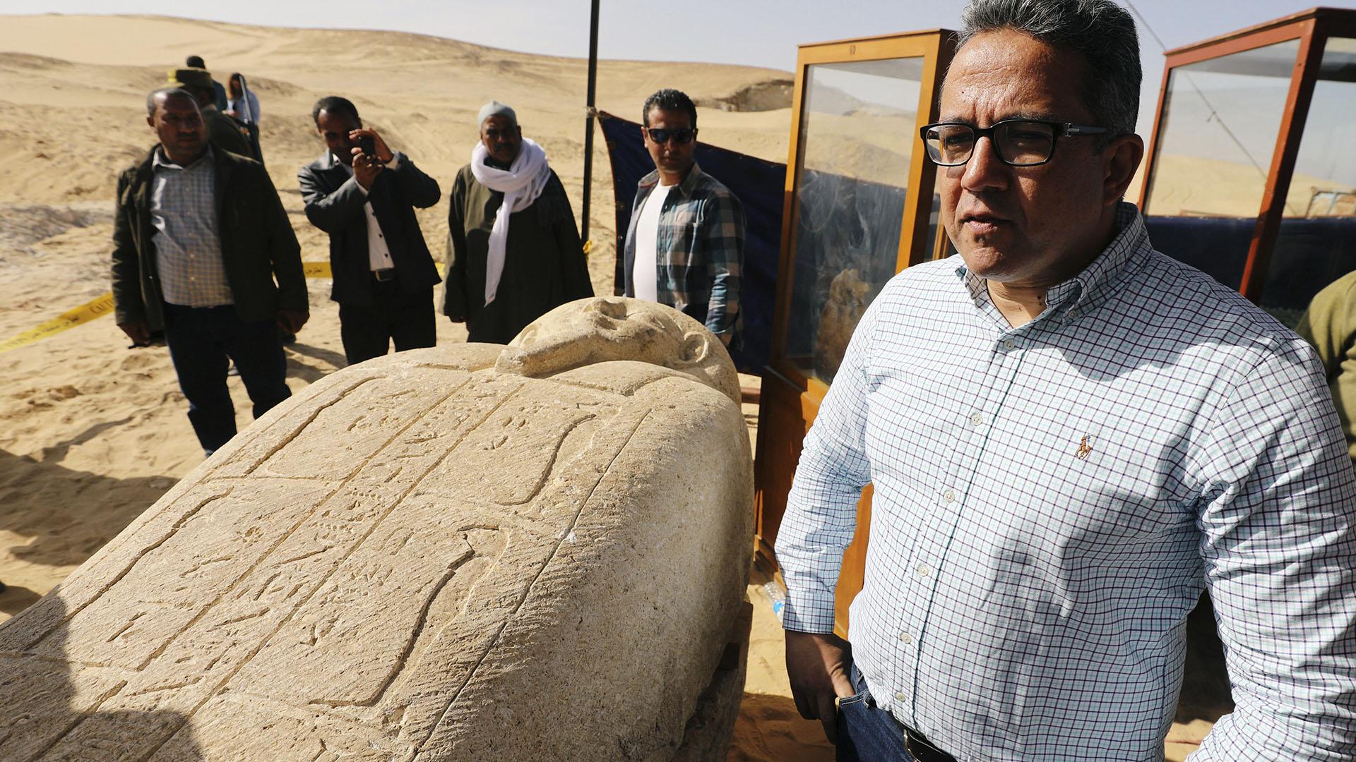 """""""Necesitaremos al menos cinco años de trabajo en la necrópolis"""", dijo Al-Anani. """"Esto es apenas el comienzo de un nuevo descubrimiento""""."""