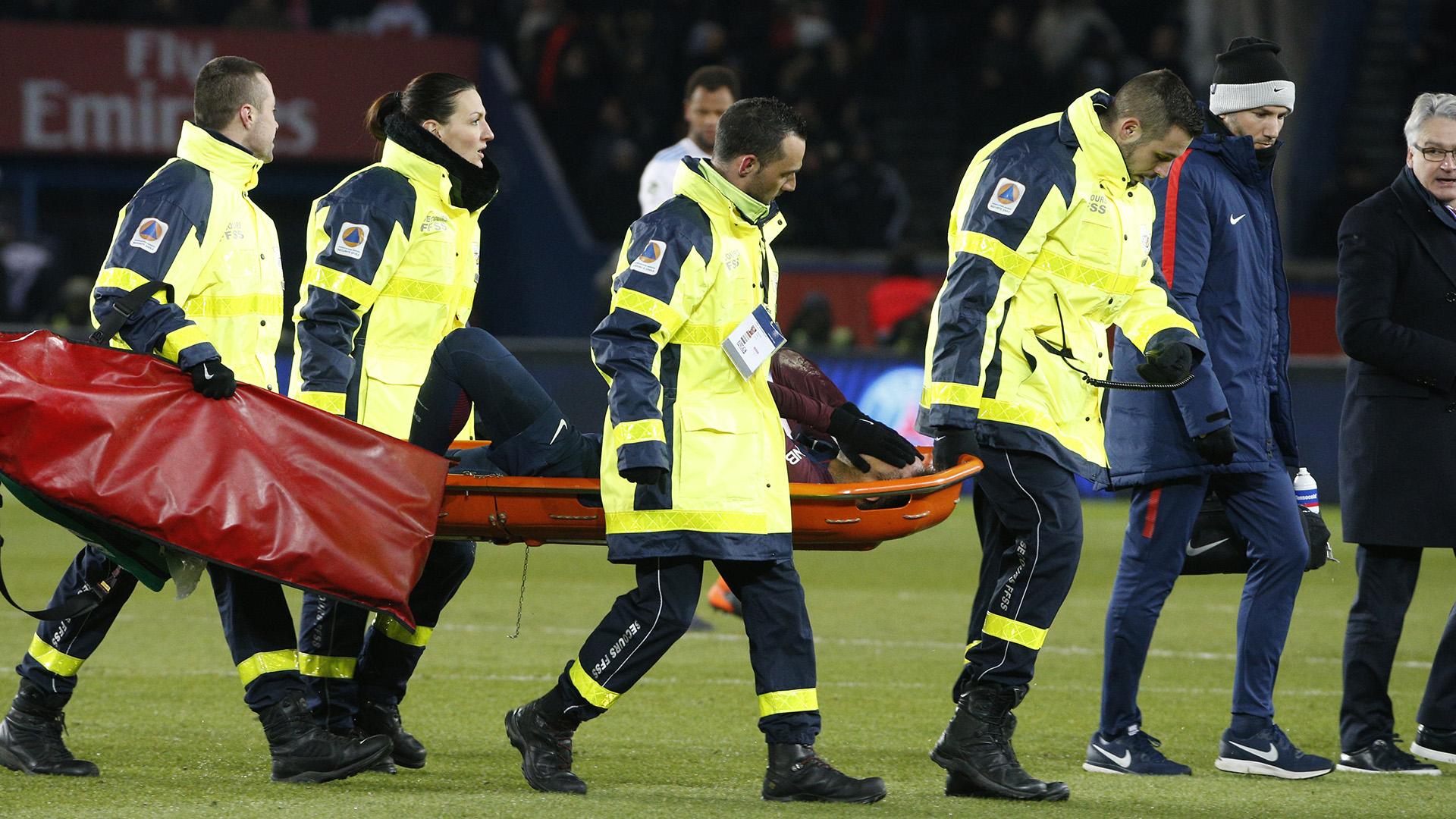 Así se retiró Neymar de un campo de juego por última vez (AFP)