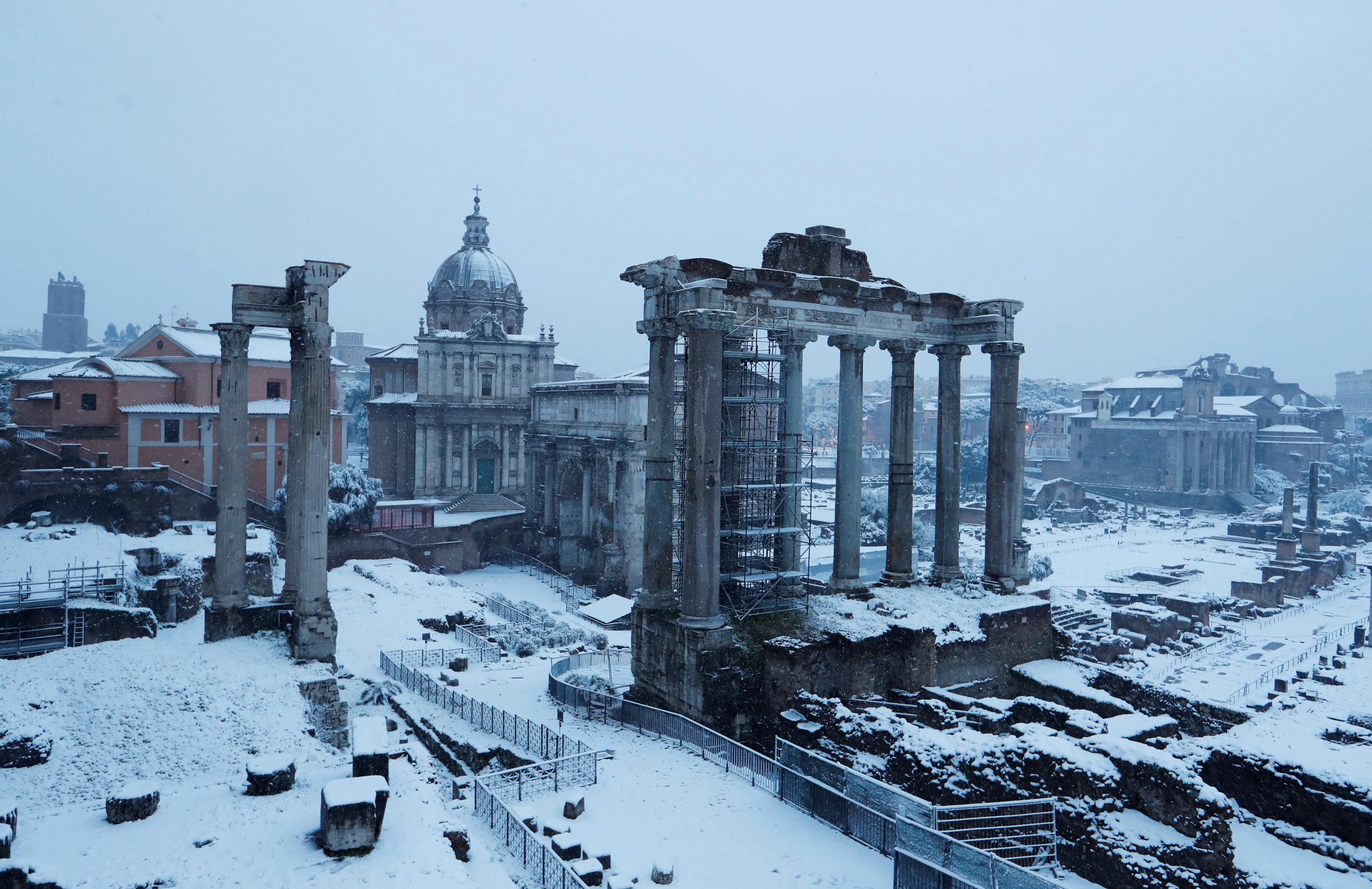 El Foro Romano cubierto de nieve
