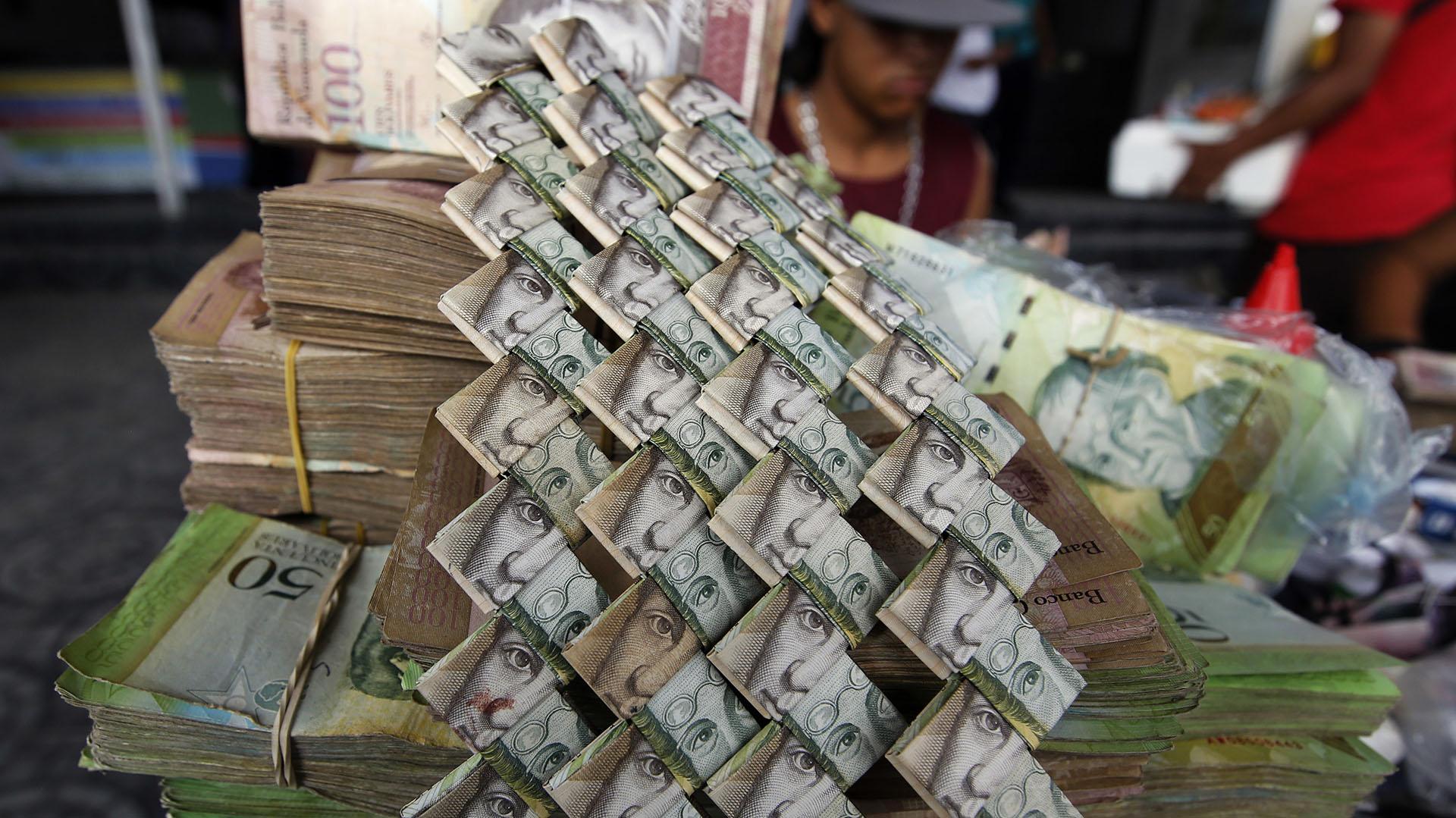 Al tipo de cambio paralelo actual, se necesitan más de 200 mil bolívares para tener un dólar