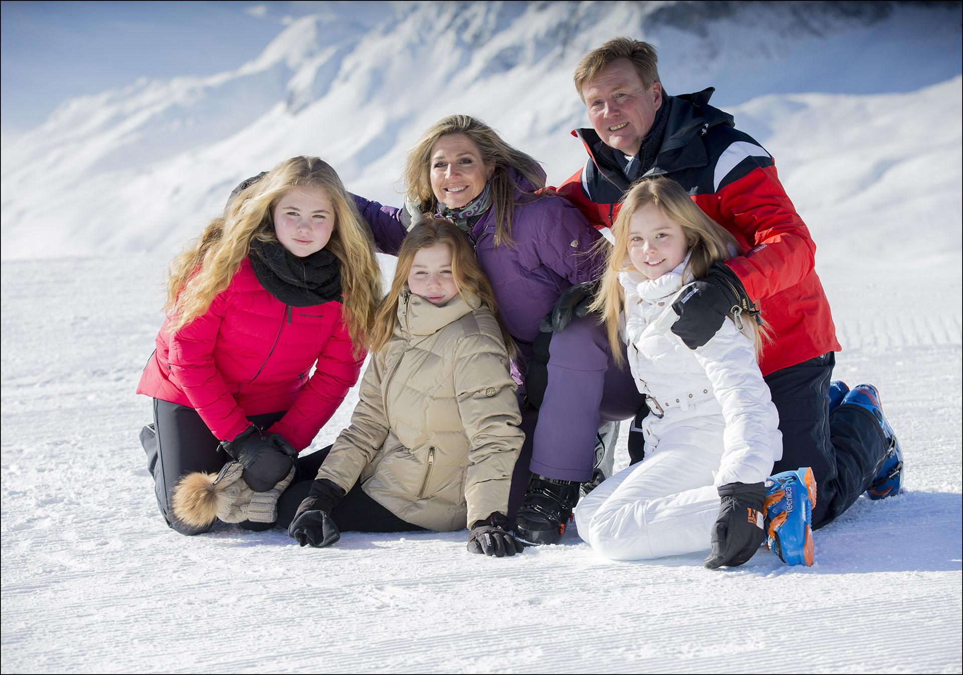La familia real holandesa completa
