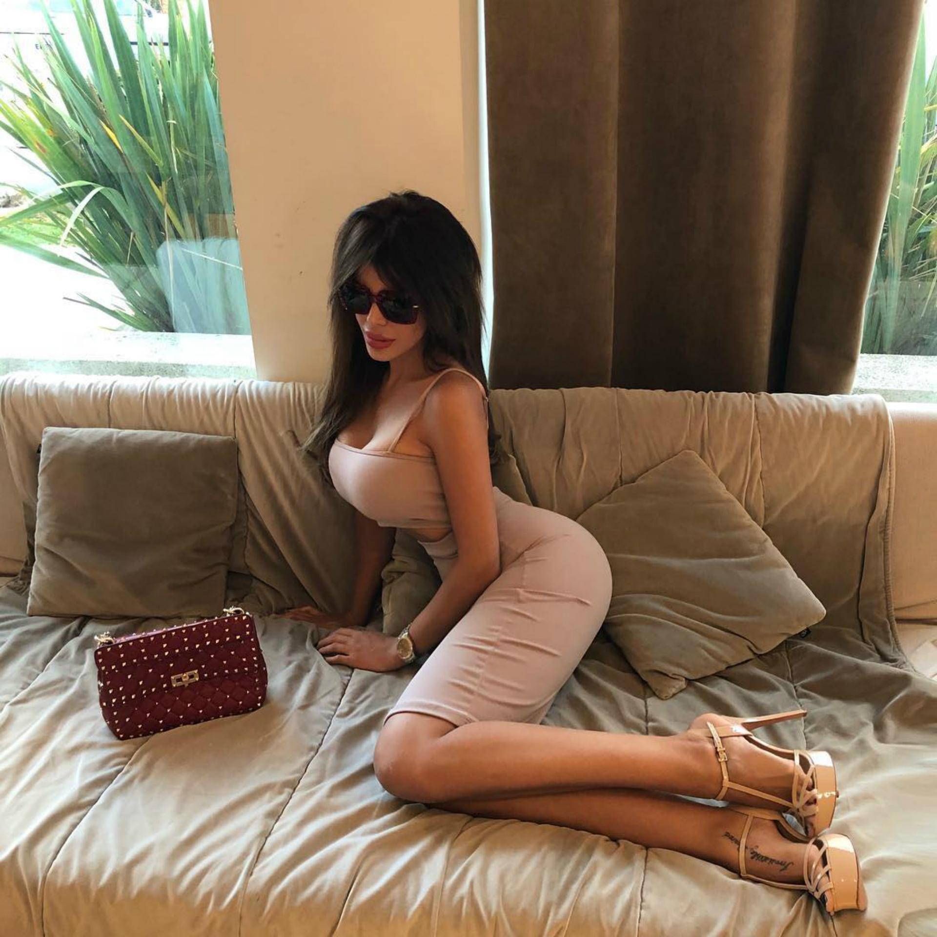 """Charlotte Caniggia confesó varios retoques estéticos entre ellos, rinoplastía, implantes mamarios, lipopero dice """"hace tres años que no me hago nada""""."""