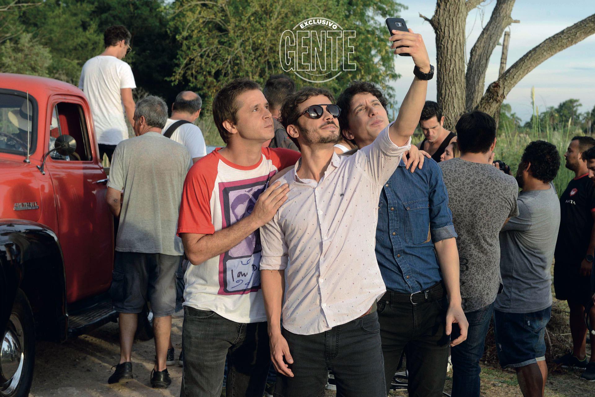Selfie de galanes.