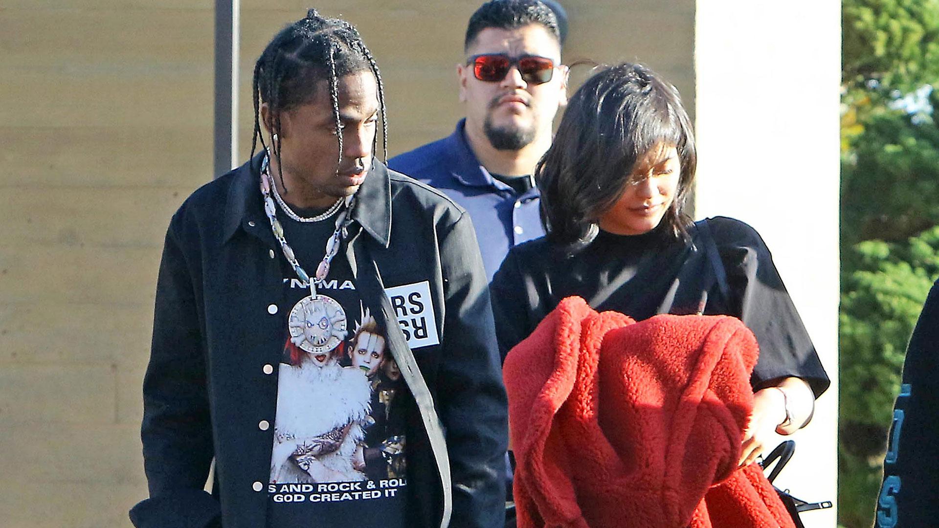 Kylie Jenner y Travis Scott almorzaron con amigos en el restaurante Nobu de Malibu (Grosby Group)
