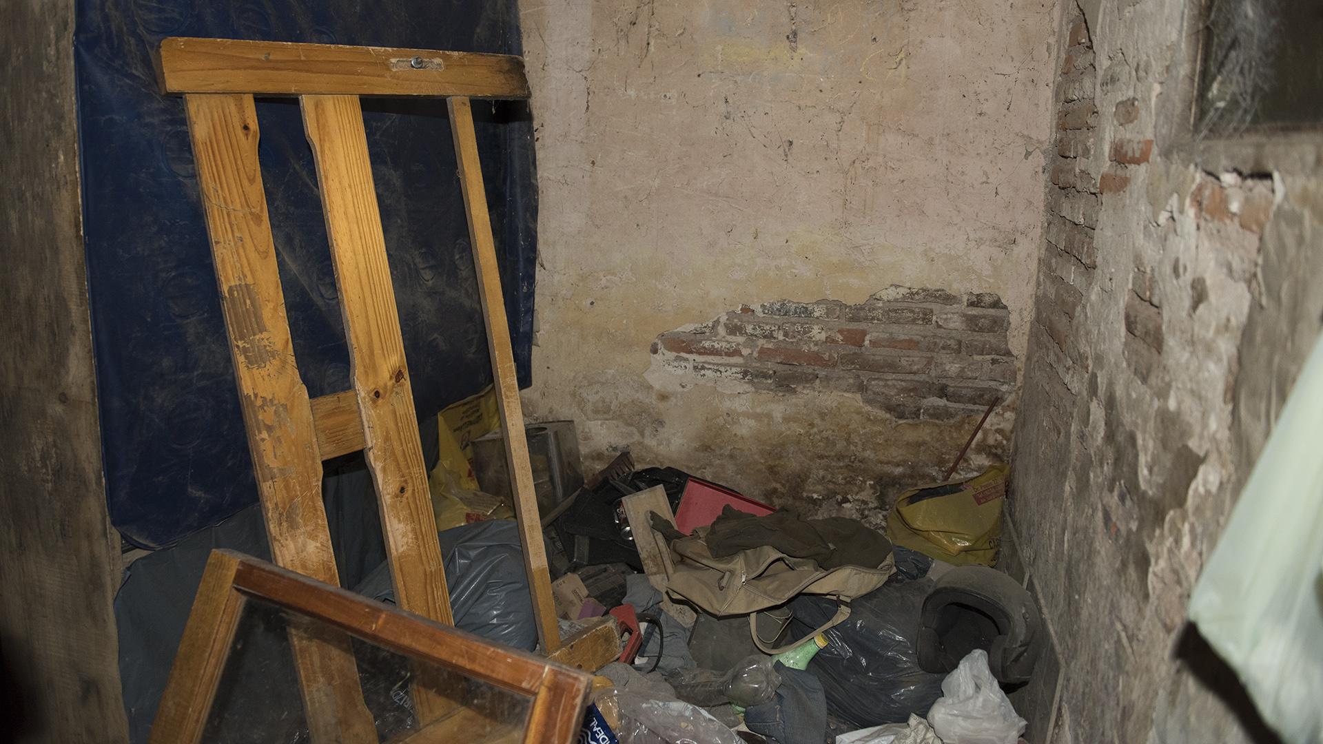 Lo que queda hoy de la habitación que ocupaba Carlos Varela en la casa de su familia. (Adrián Escandar)
