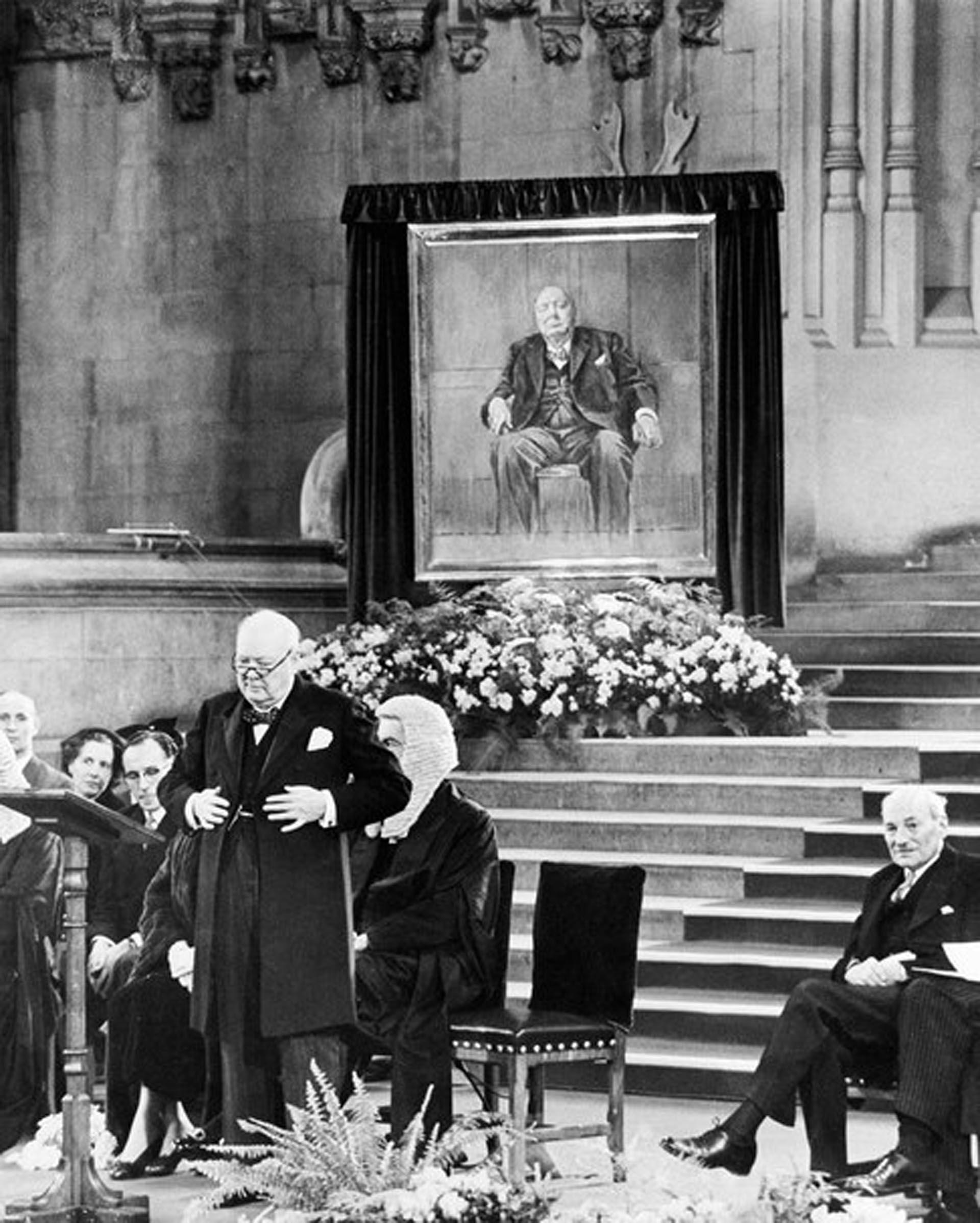 """El cumpleaños 80 en el Parlamento, un gran homenaje y una pintura """"maldita"""""""