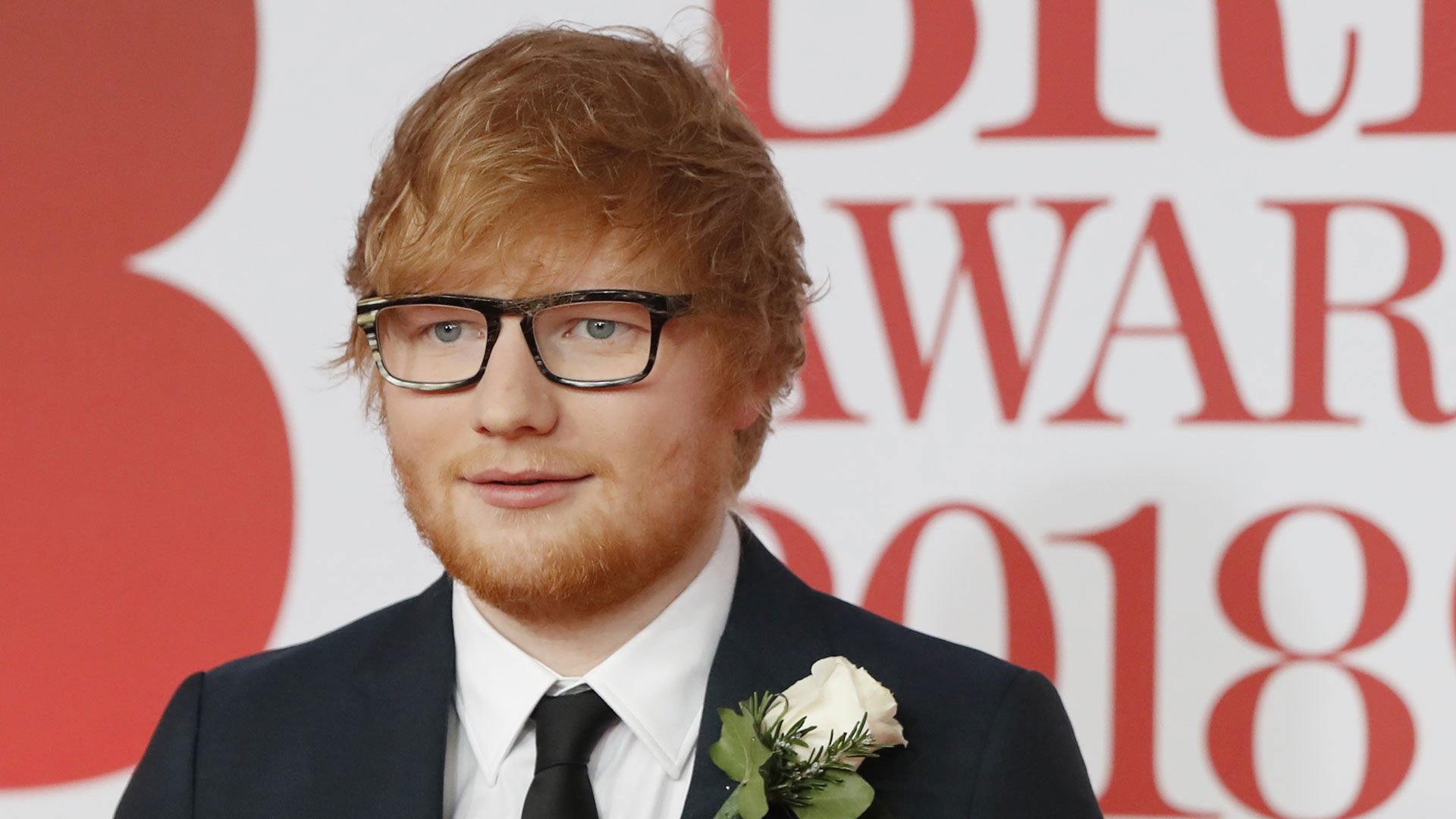 """El último proyecto de Sheeran, """"÷ (Divide)"""", lanzado al mercado el pasado marzo, fue el trabajo más vendido en todo el globo, además de ser considerado disco """"multi platino"""" en 36 mercados"""
