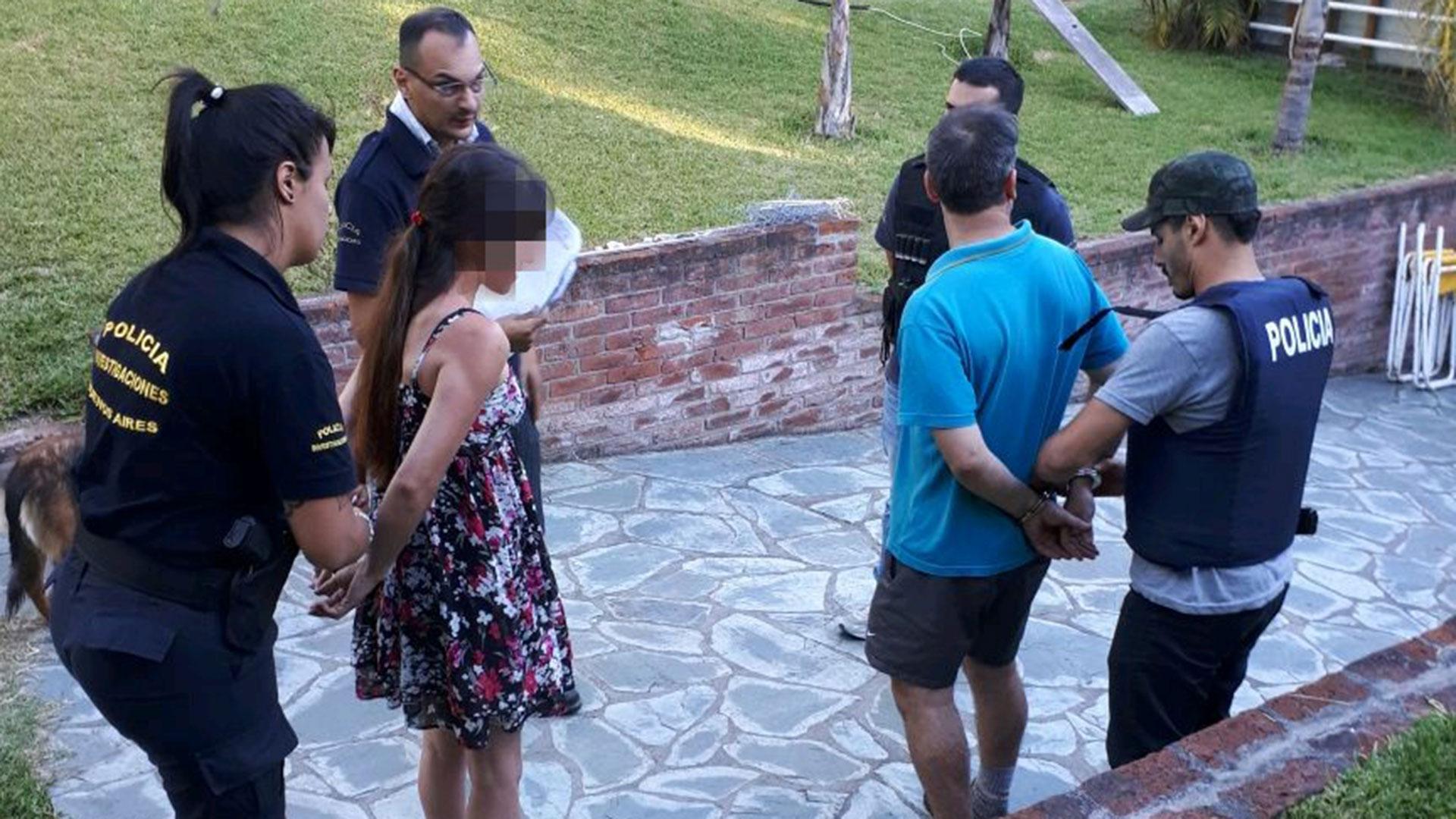 El concejal Galarza y su novia en el momento en que quedaron detenidos