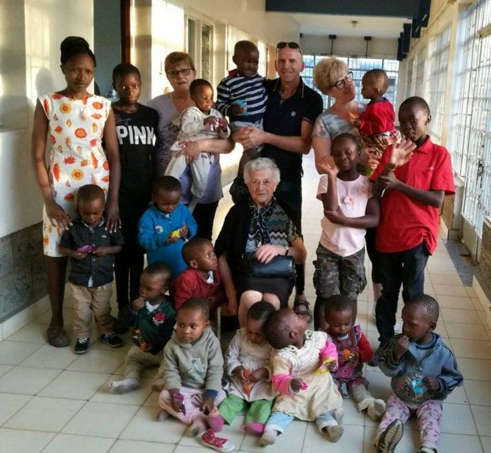Irma en el orfanato en Kenia