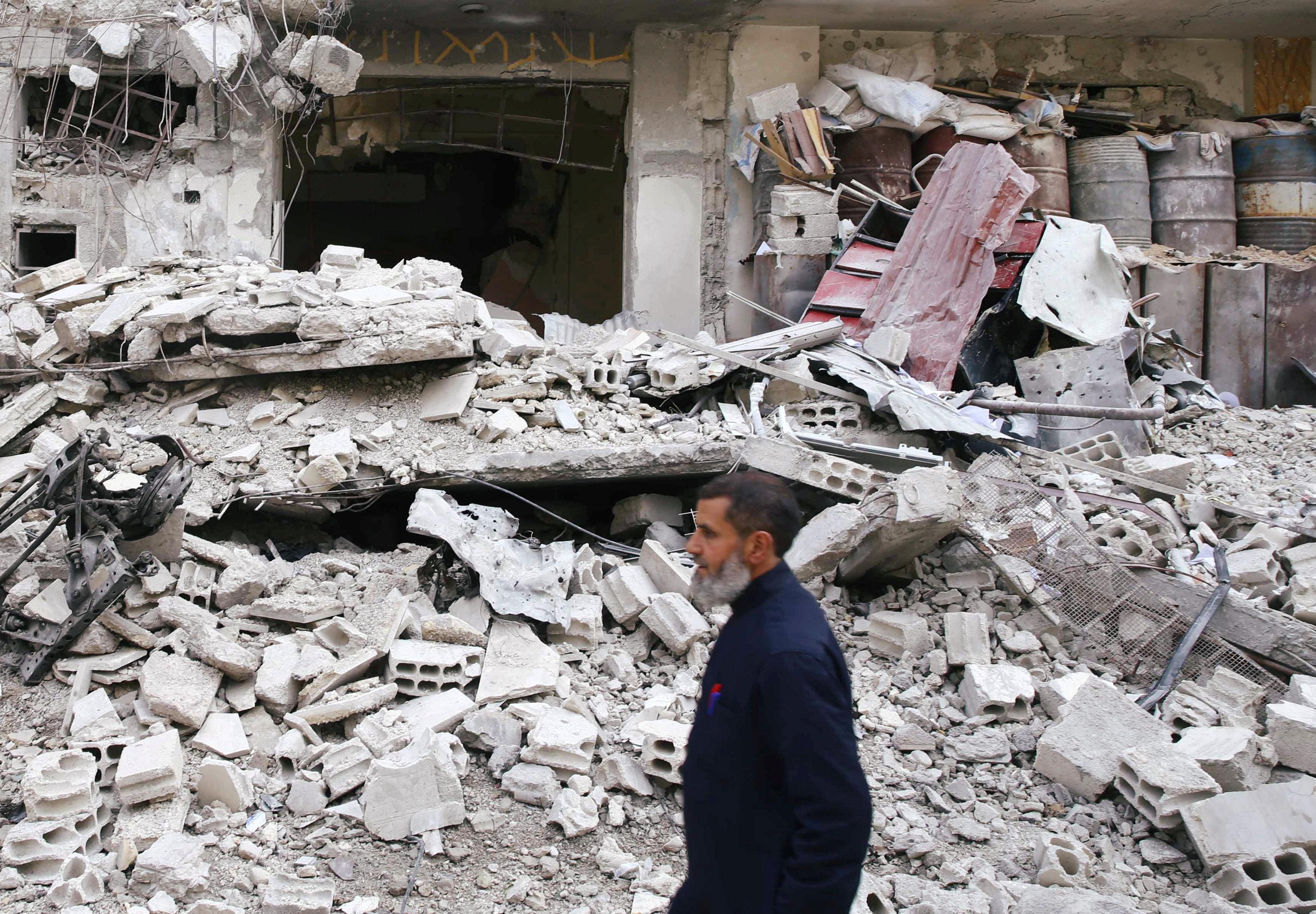 Cientos de personas murieron en los bombardeos sobre Guta (REUTERS)