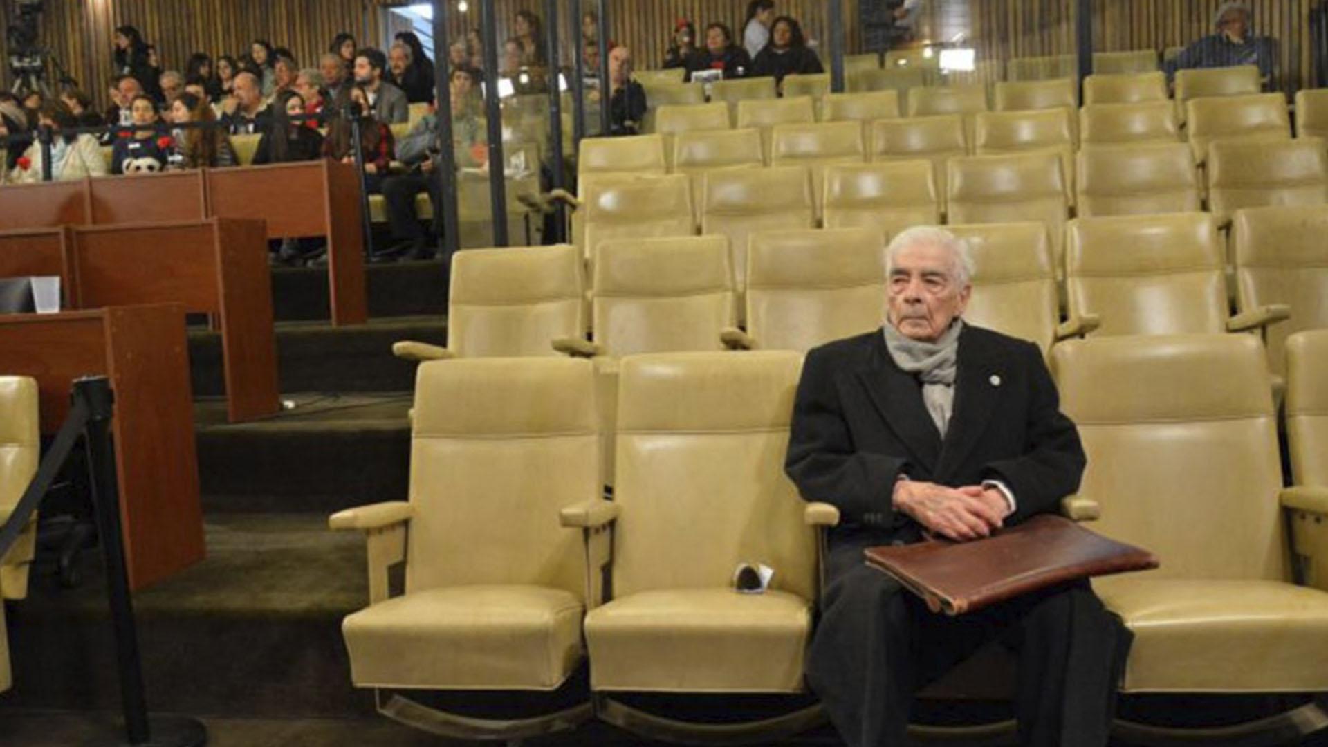 Menéndez durante el juicio por crímenes de lesa humanidad en los Tribunales de Córdoba
