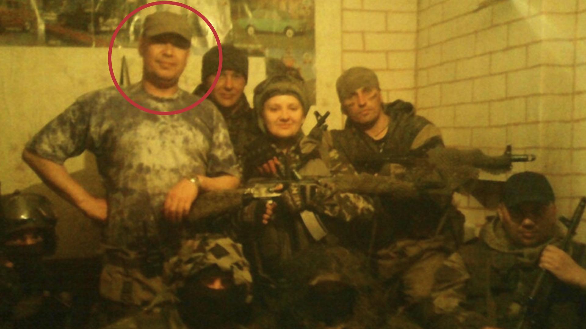 Igor Kosoturov con parte de su unidad del Grupo Wagner en Siria
