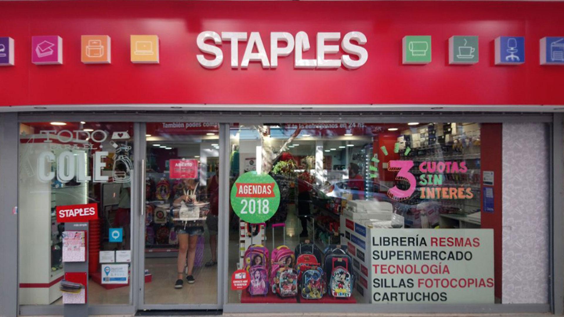 Staples tiene 18 locales en todo el país.