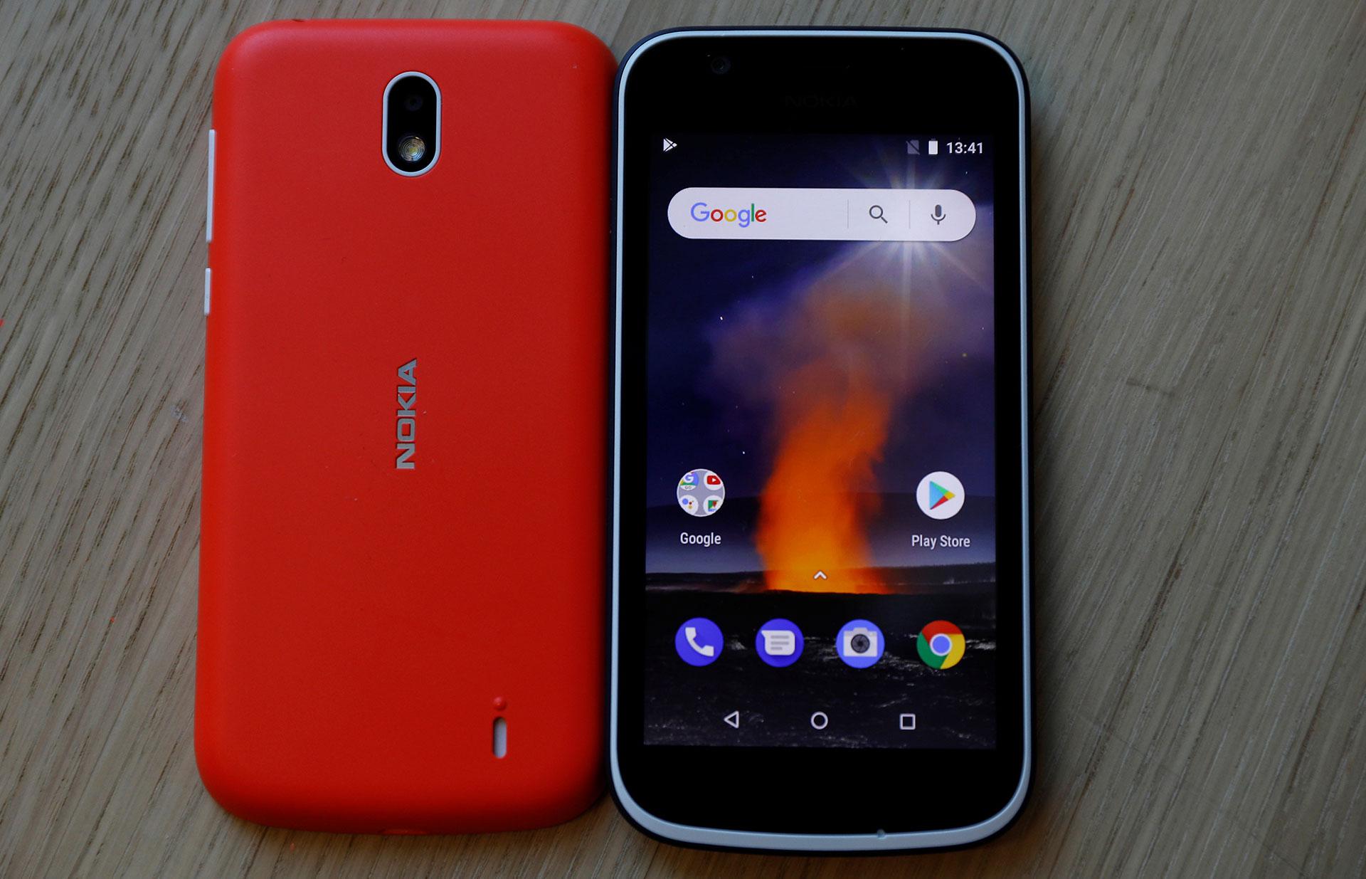 El Nokia 1 tiene una pantalla de 4,5 pulgadas, 8GB de almacenamiento y 1 GB de RAM, que incluye Android Oreo (Reuters)