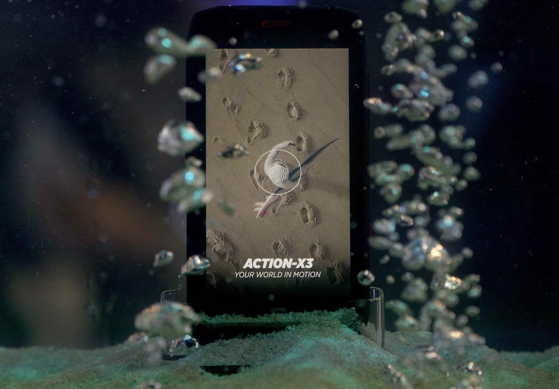 El Action X3 fue diseñado conforme a la norma MIL STD 810G y la IK02. Puede resistir a caídas, golpes, arena, húmedas y temperaturas extremas (desde -10°C y hasta más de 50°C)