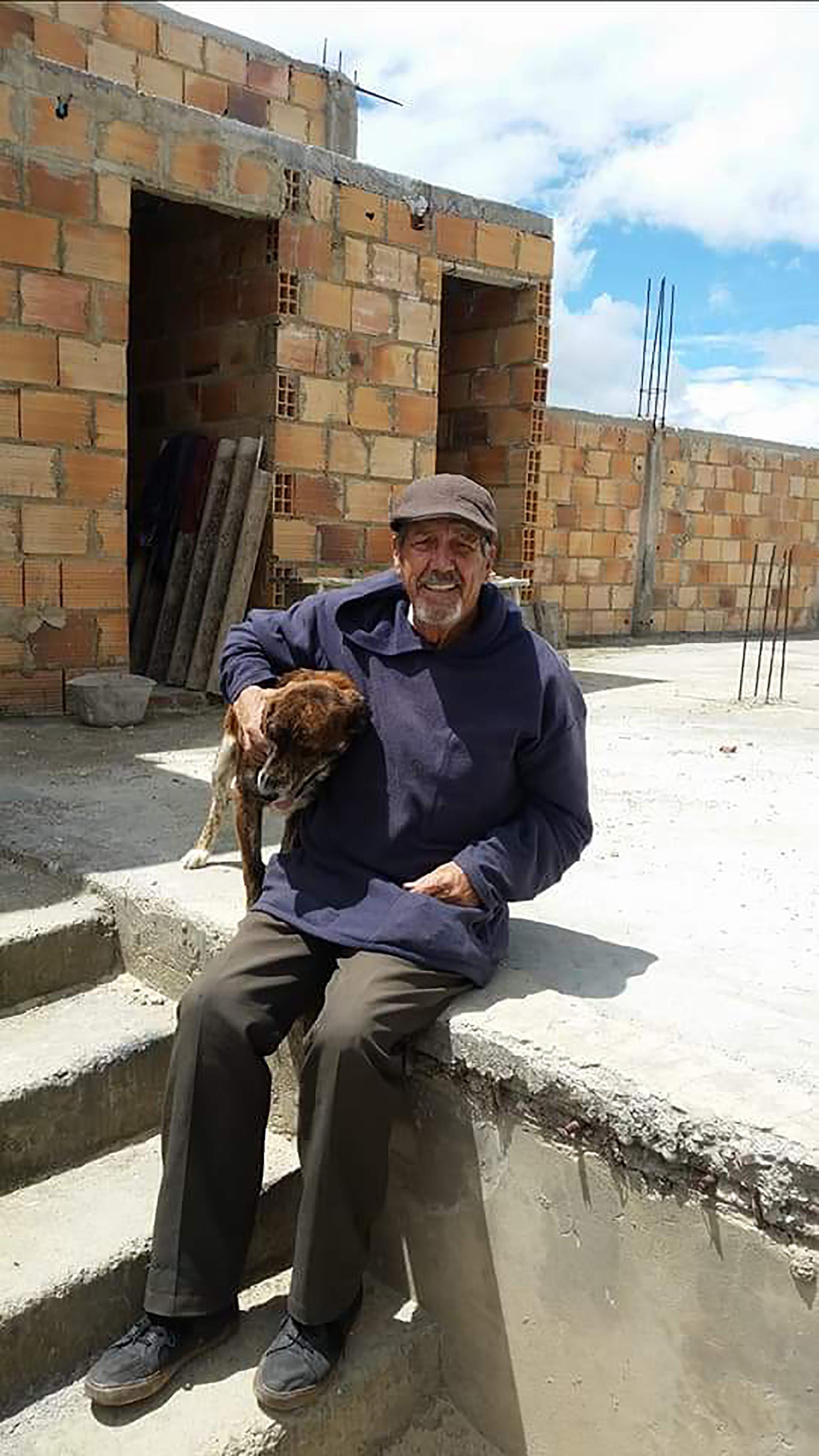 Sacerdote Carlos Barrero SF