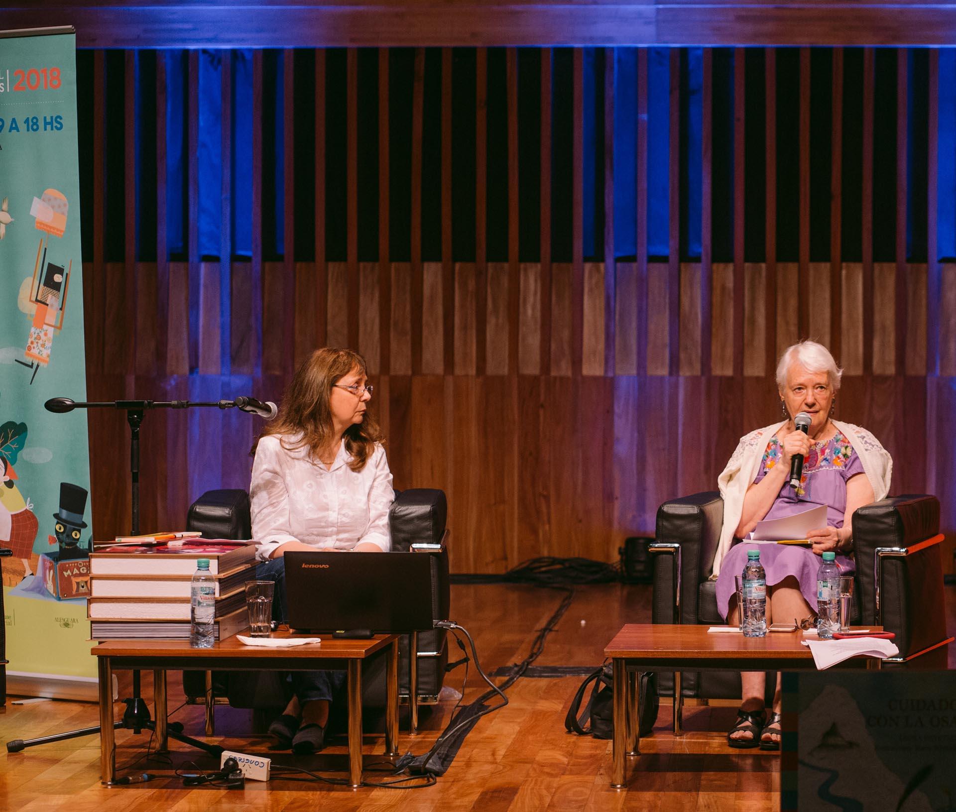 Laura Roldán y Laura Devetach (Foto: Gentileza PRHGE)