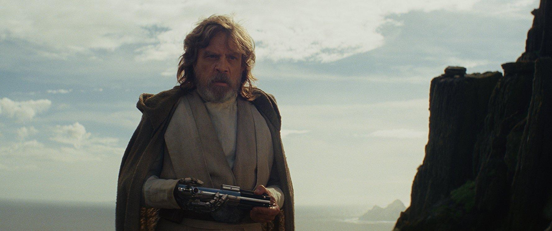 La versión original del filme duraba tres horas pero tras consultar con los productores, la cinta se redujo a dos horas.