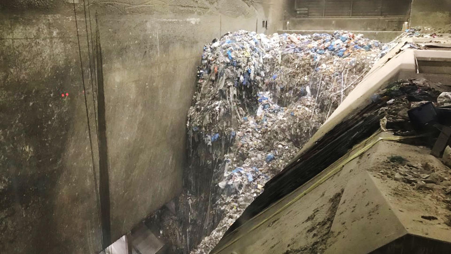 El deposito de basura de la planta incineradora de Ámsterdam