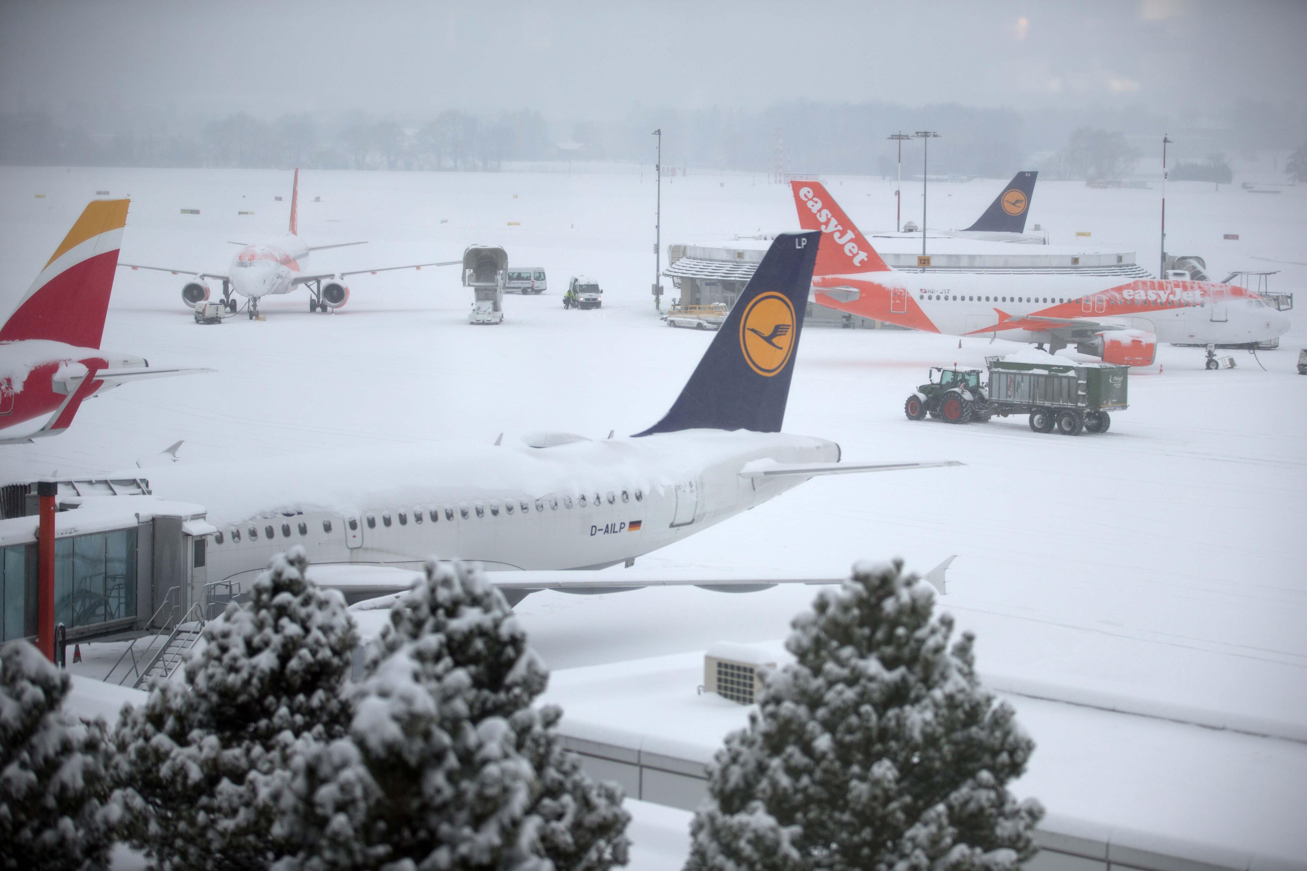 El aeropuerto de Ginebra fue cerrado este jueves (Reuters)