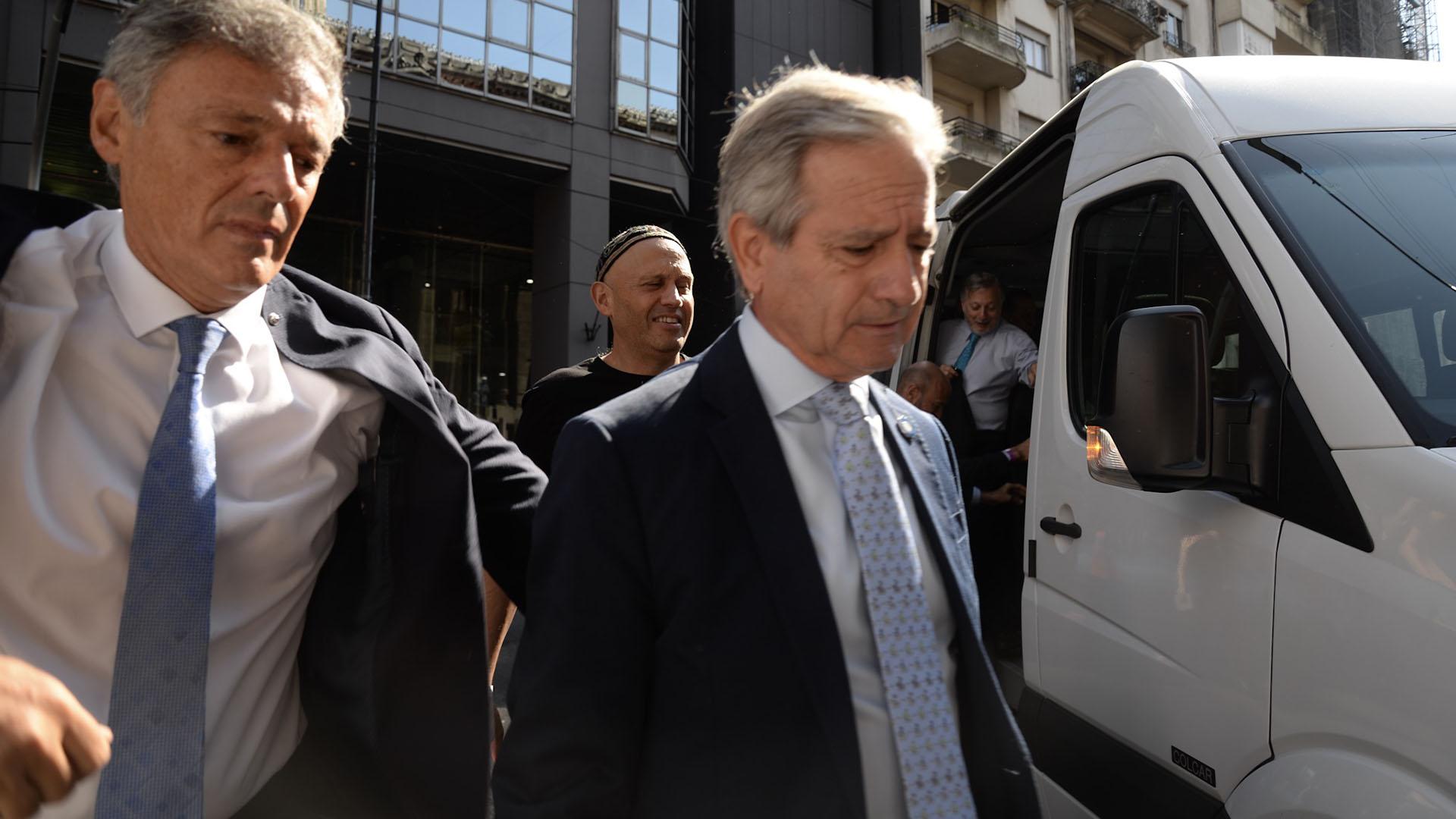 El ministro de Producción Francisco Cabrera y el de Modernización Andrés Ibarra
