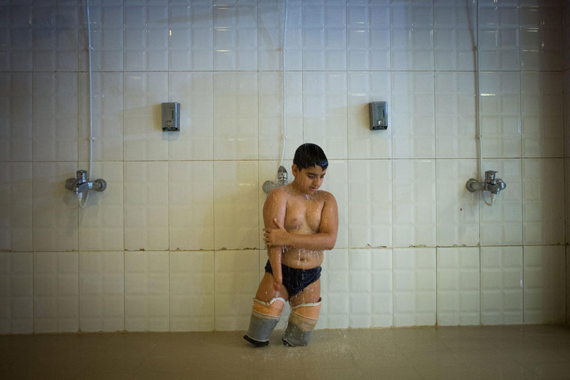"""Competencia """"Profesional"""" – Categoría """"Deportes"""": campeonatos de Natación para Niños Discapacitados en la piscina para discapacitados de la provincia de Teherán, Irán. (Gentileza Sony World Photography Awards)"""